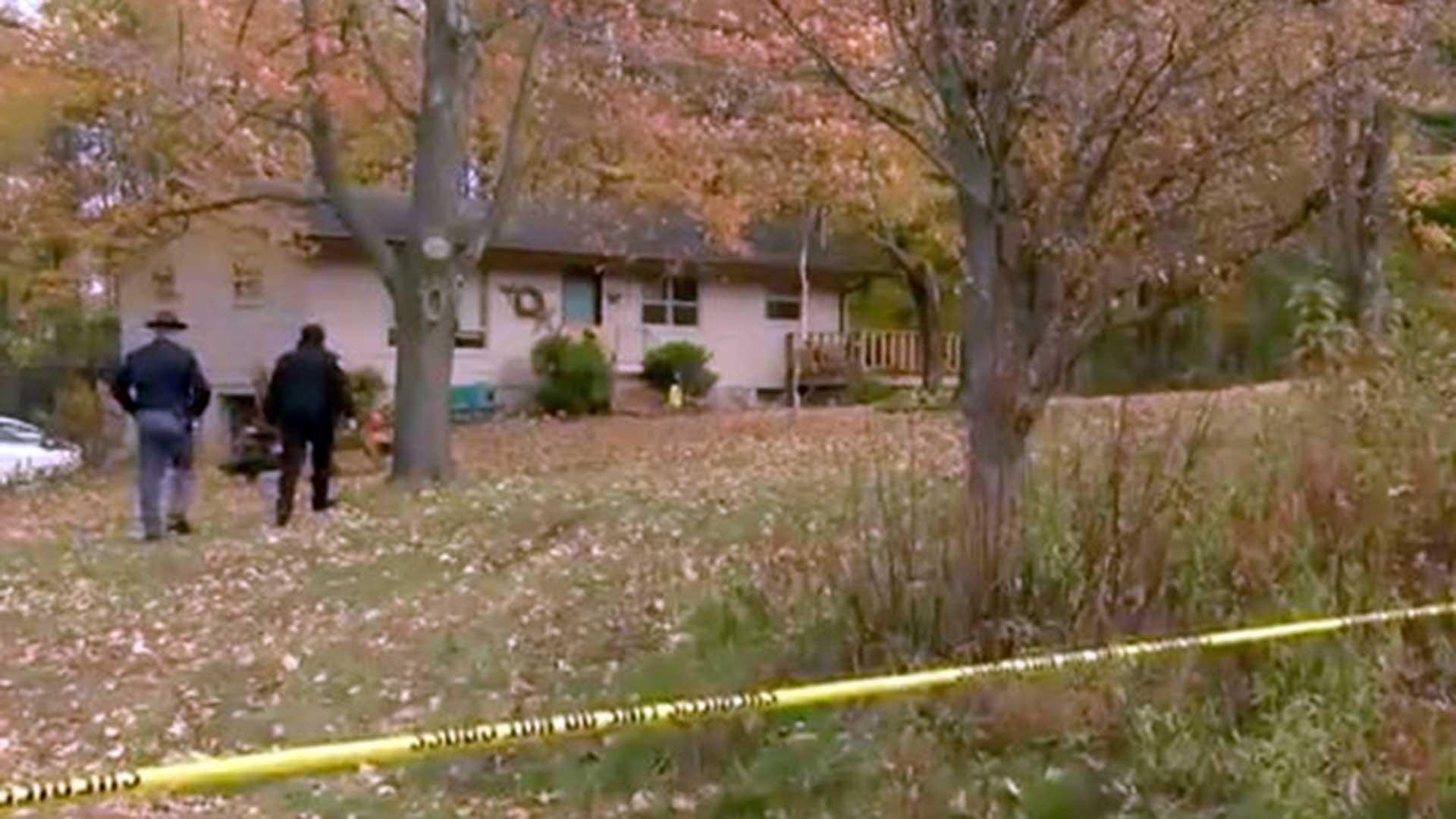 Los padres aparecieron muertos con heridas de bala en su casa