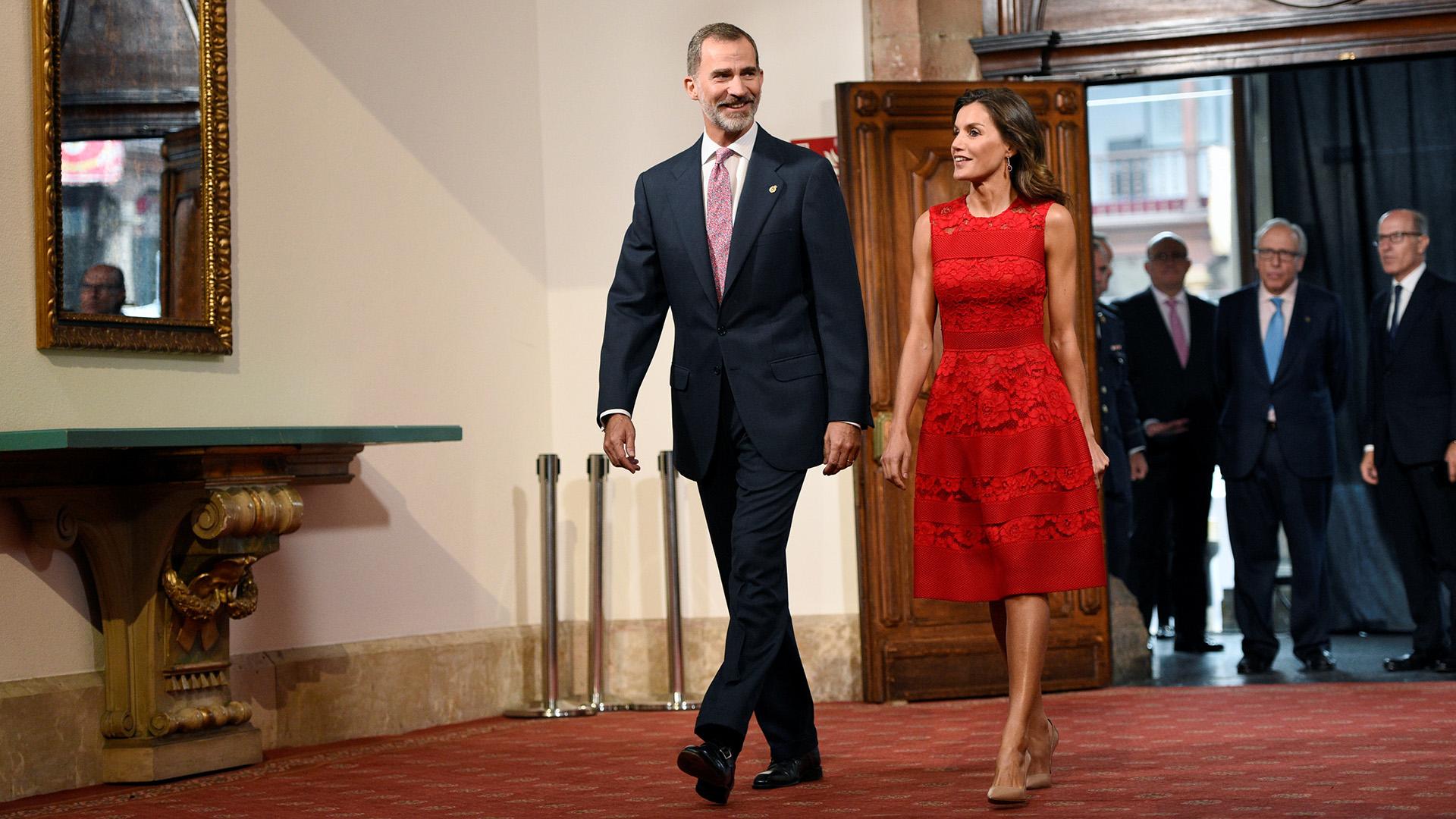 En Oviedo, donde nació Letizia, en la premiación del galardón Príncipe de Asturias.