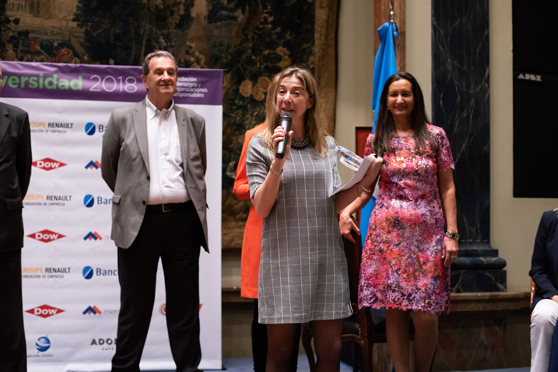 """En la categoría Grandes Empresas, Arredo resultó ganadora. Su gerente de Recursos Humanos, Fernanda Manuel, expresó: """"Trabajar en la inclusión es un compromiso que hacemos con el corazón. Estamos convencidos de lo que hacemos. Nos gusta interpelar, cuestionar y aportar. Esto nos da más fuerza para seguir haciéndolo"""""""