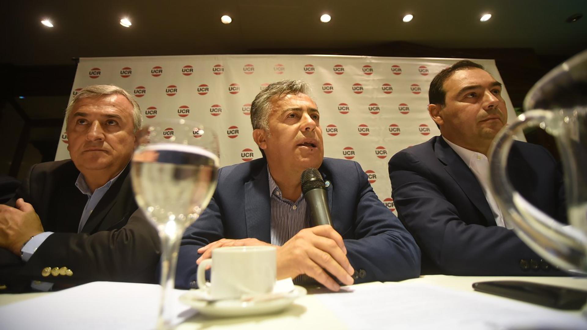 El gobernador Alfredo Cornejo encabezó la cumbre radical. (Prensa UCR)