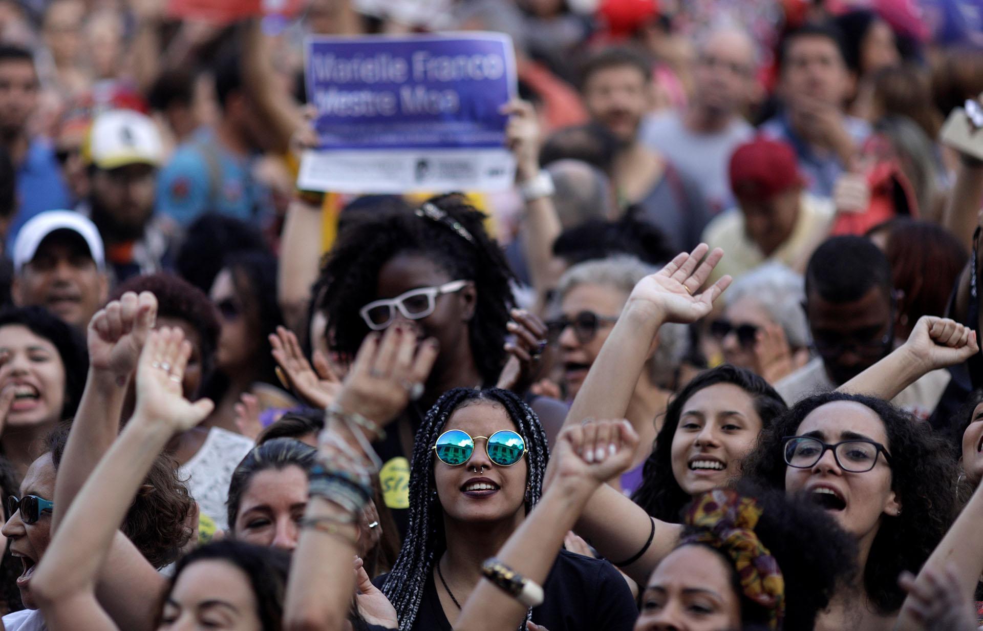 De cara al balotaje, el 58% de los hombres respalda a Bolsonaro contra el 46% de las mujeres, de acuerdo con el último sondeo de Ibope
