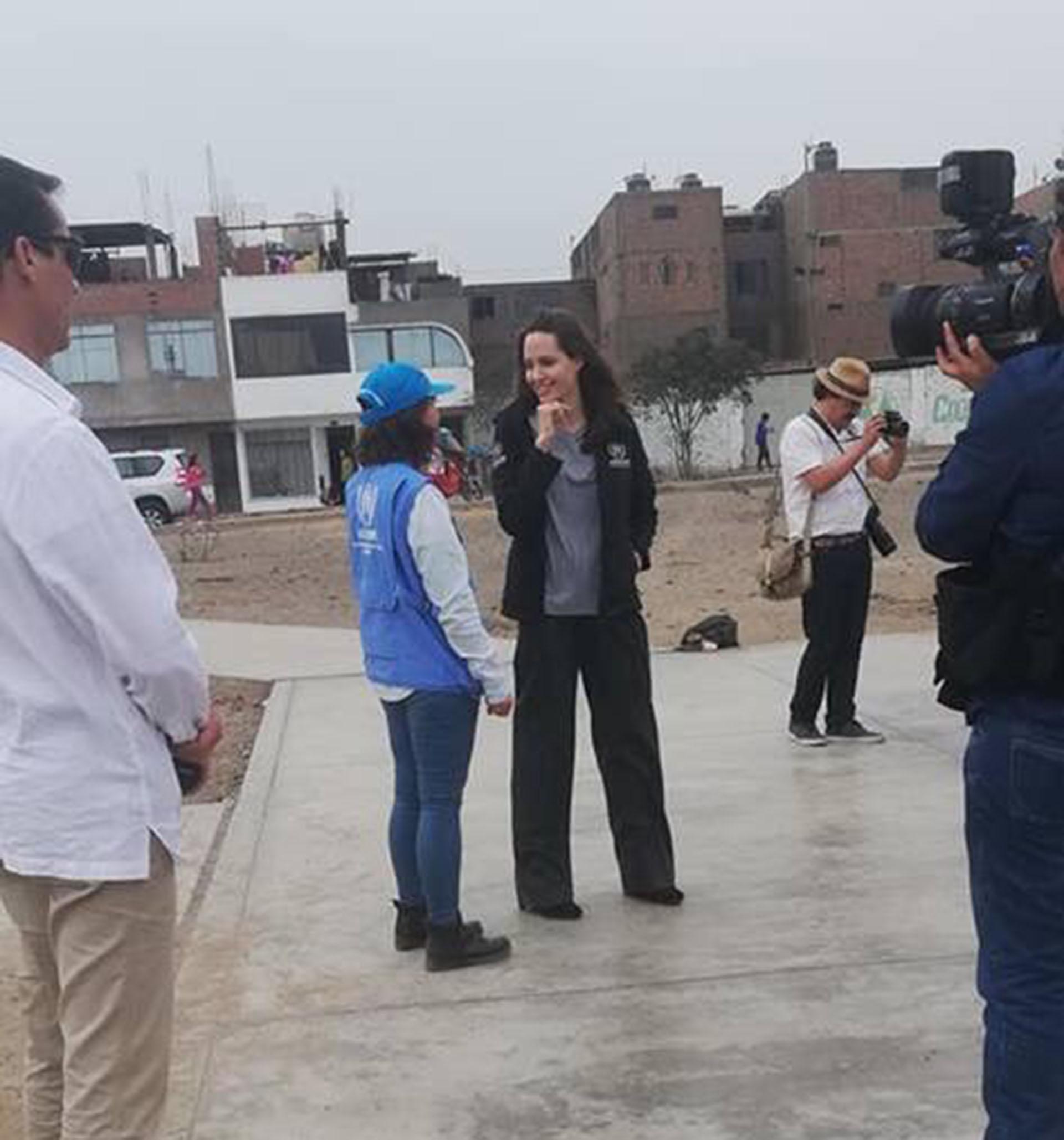 Jolie escuchó a los refugiados y a las personas que los asisten (@rosmery_steph)