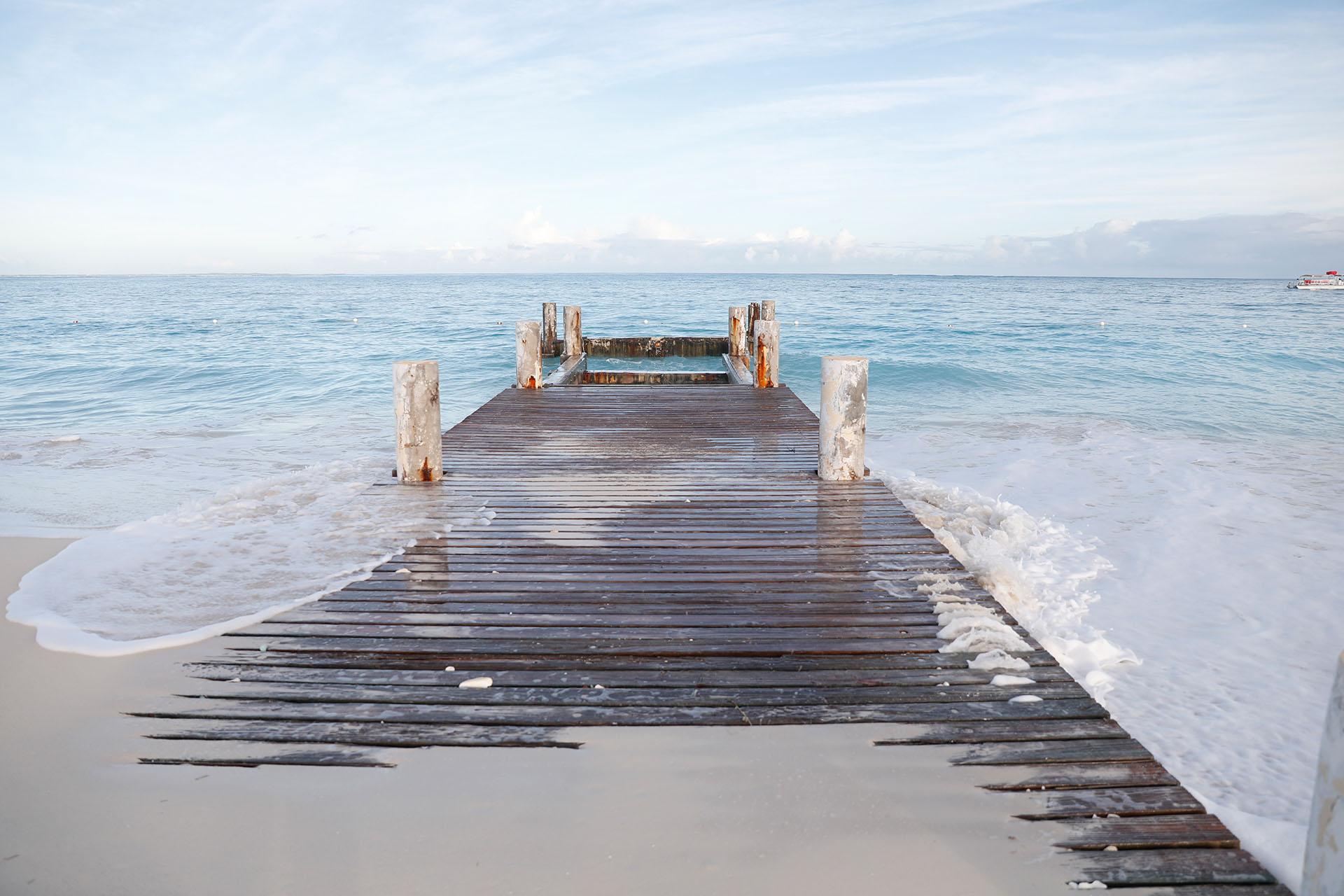 En Turks & Caicos siempre se puede estar listo para una nueva aventura, recorriendo las extensas playas, realizando algún deporte, o simplemente relajándose en una reposera bajo el sol