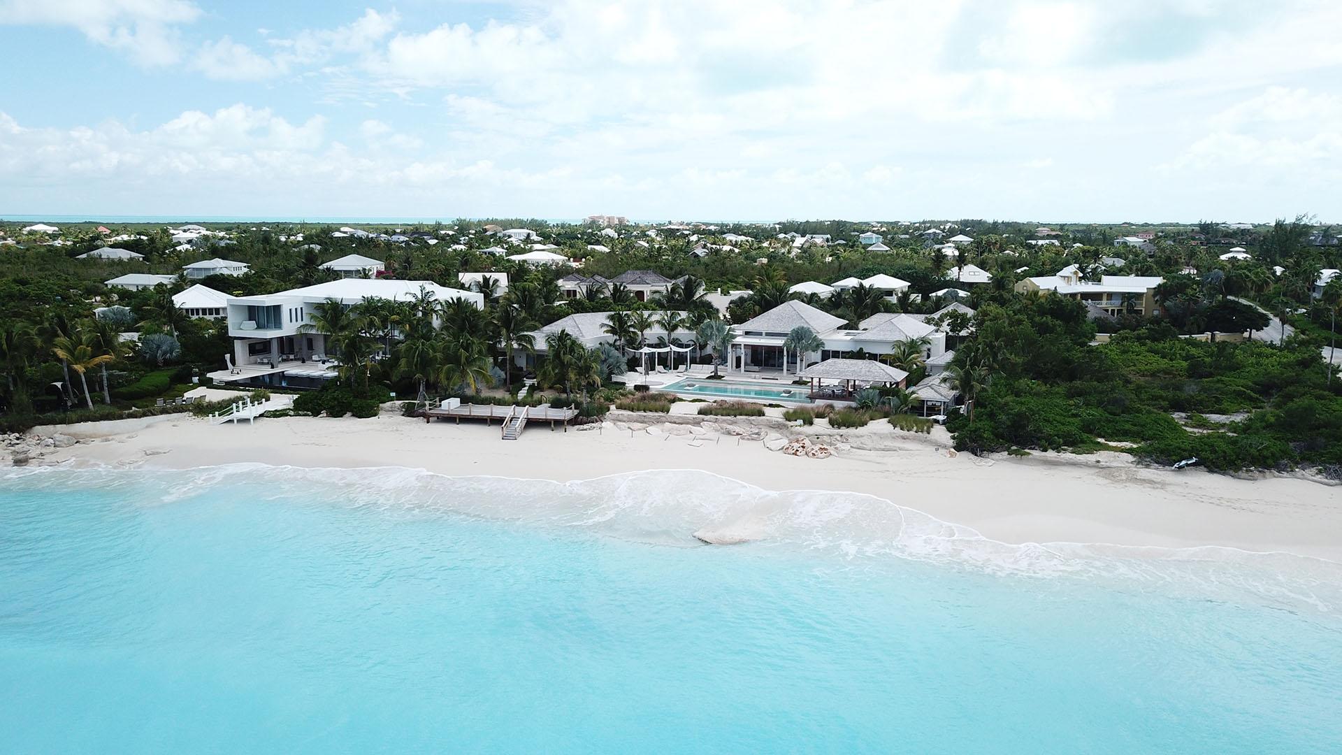 Las Islas son uno de los destinos preferidos de los millonarios y famosos que tienen sus residencias veraniegas a la vera del mar