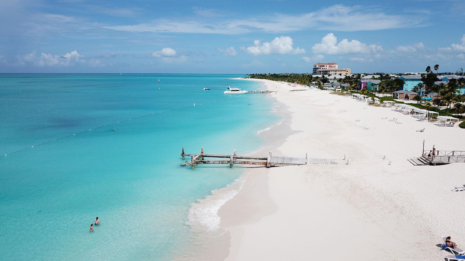 Hoteles de lujo, arenas blancas, aguas de tres colores e infinitas actividades esperan a los turistas para que pasen una estadía inolvidable