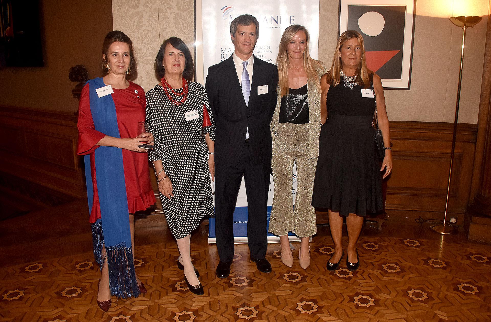 Dominique Biquard, Patricia López Aufranc, socia Marval; O'Farrell & Mairal, Eugenia Botta y Susana Saenz, de Marianne
