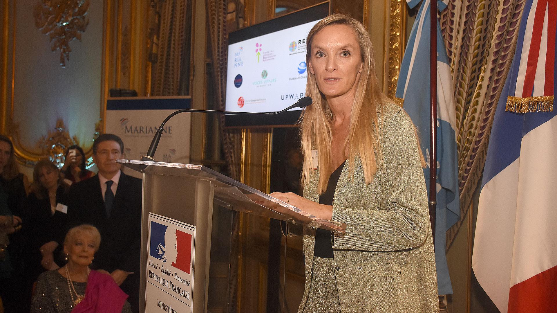 """La presidente de Marianne, destacó: """"La mujer es protagonista en la sociedad; creemos en un mundo mixto. Por eso, nos propusimos propagar el mensaje del valor de la mixidad, generar conciencia y compromiso y sumar a mujeres y hombres a esa acción""""."""
