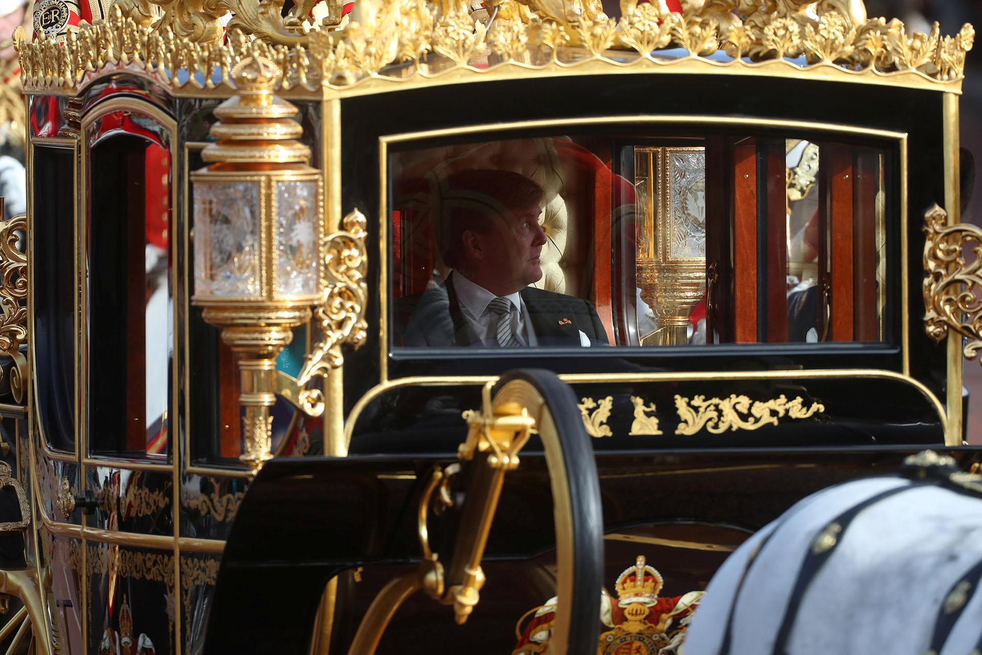 Los reyes de Holanda llegando al Palacio de Buckingham