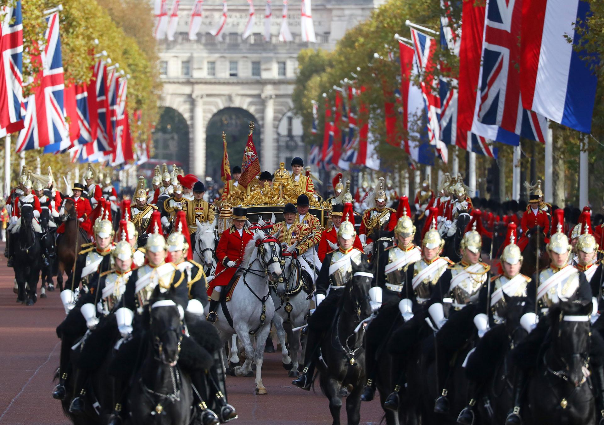 Es la primera visita de Estado de la monarquía holandesa al Reino Unido durante 36 años. Máxima y Guillermo estarán dos días en Londres.