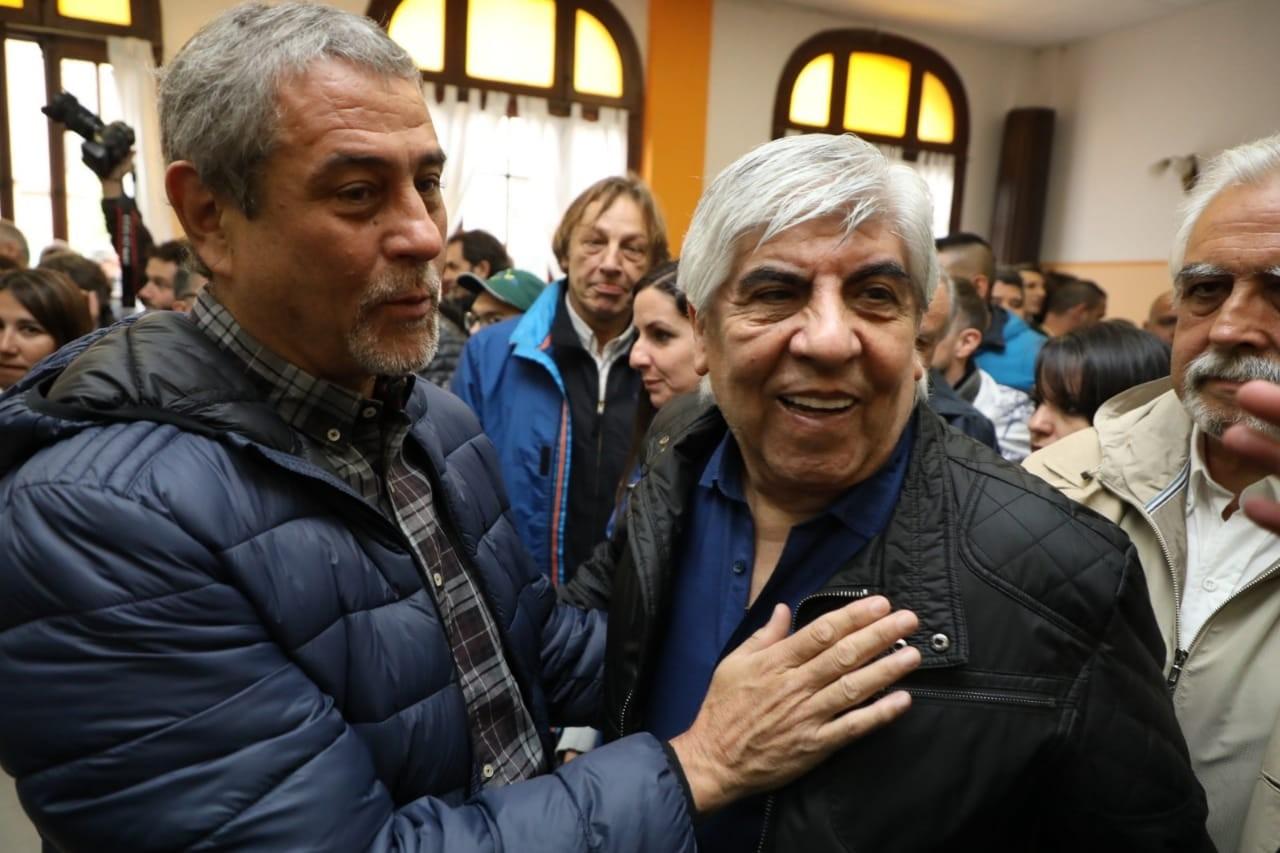 El intendente Ferraresi acompañó a Hugo Moyano a Luján (foto: @jorgeferraresi)