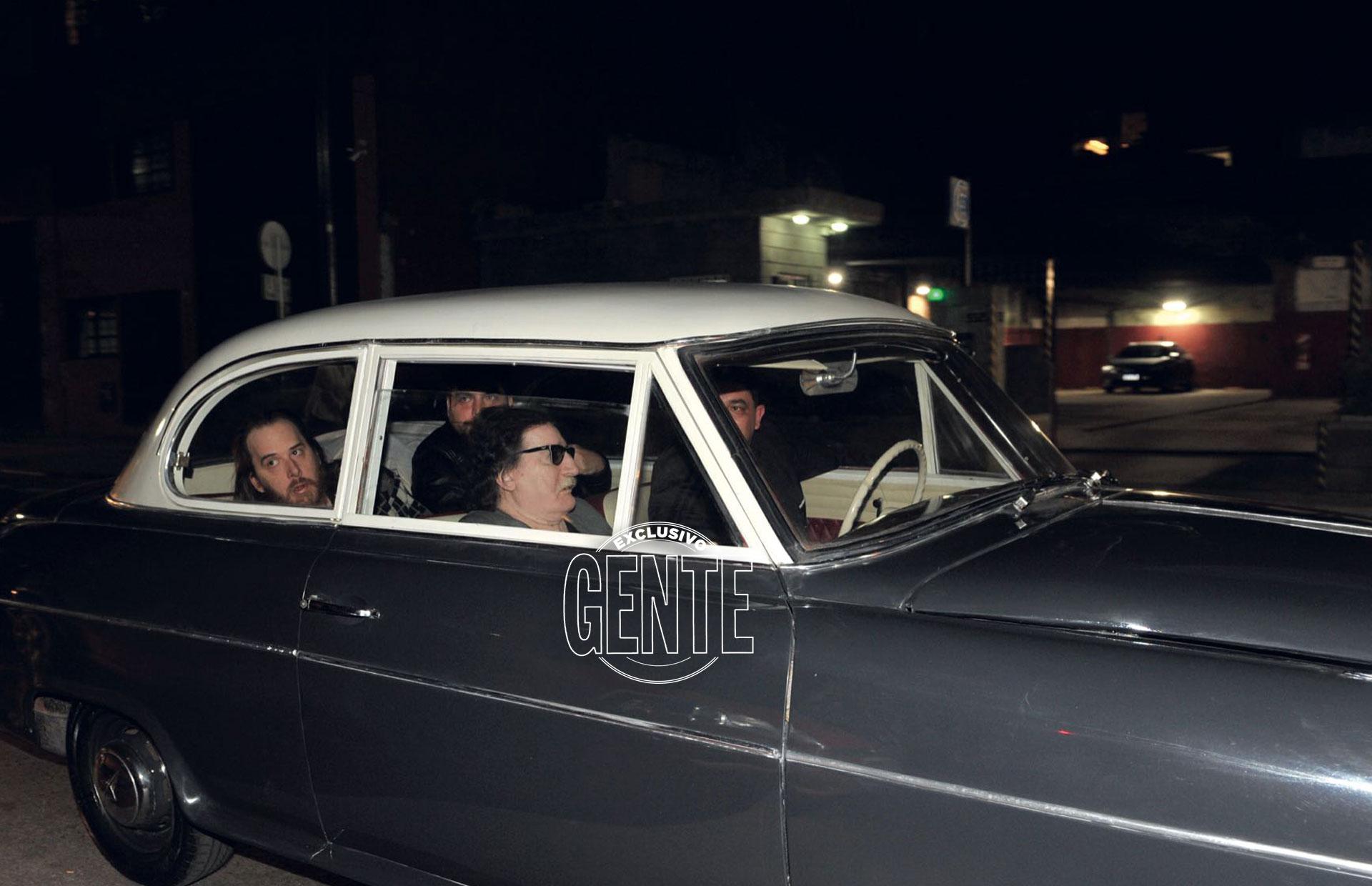 Charly García llegó como lo que es, un star, a bordo de un Borgward Isabella, el mismo que piloteaba su padre mientras él soñaba con ser músico
