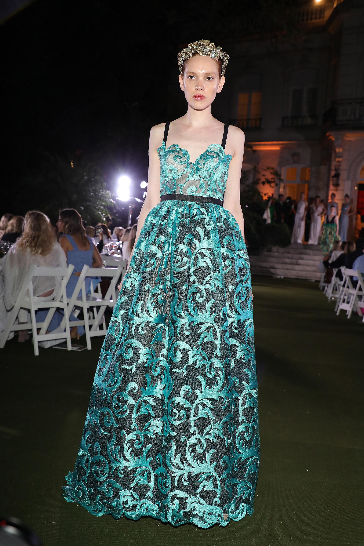 La elegante colección de Claudia Oyhandy