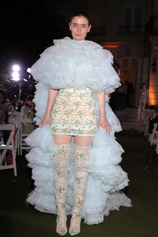 El evento contó con la colección de la prestigiosa diseñadora griega Celia Kritharioti, dueña de la casa de modas más antigua de su país, fundada por su abuela a principios de 1900 y que actualmente lleva su nombre