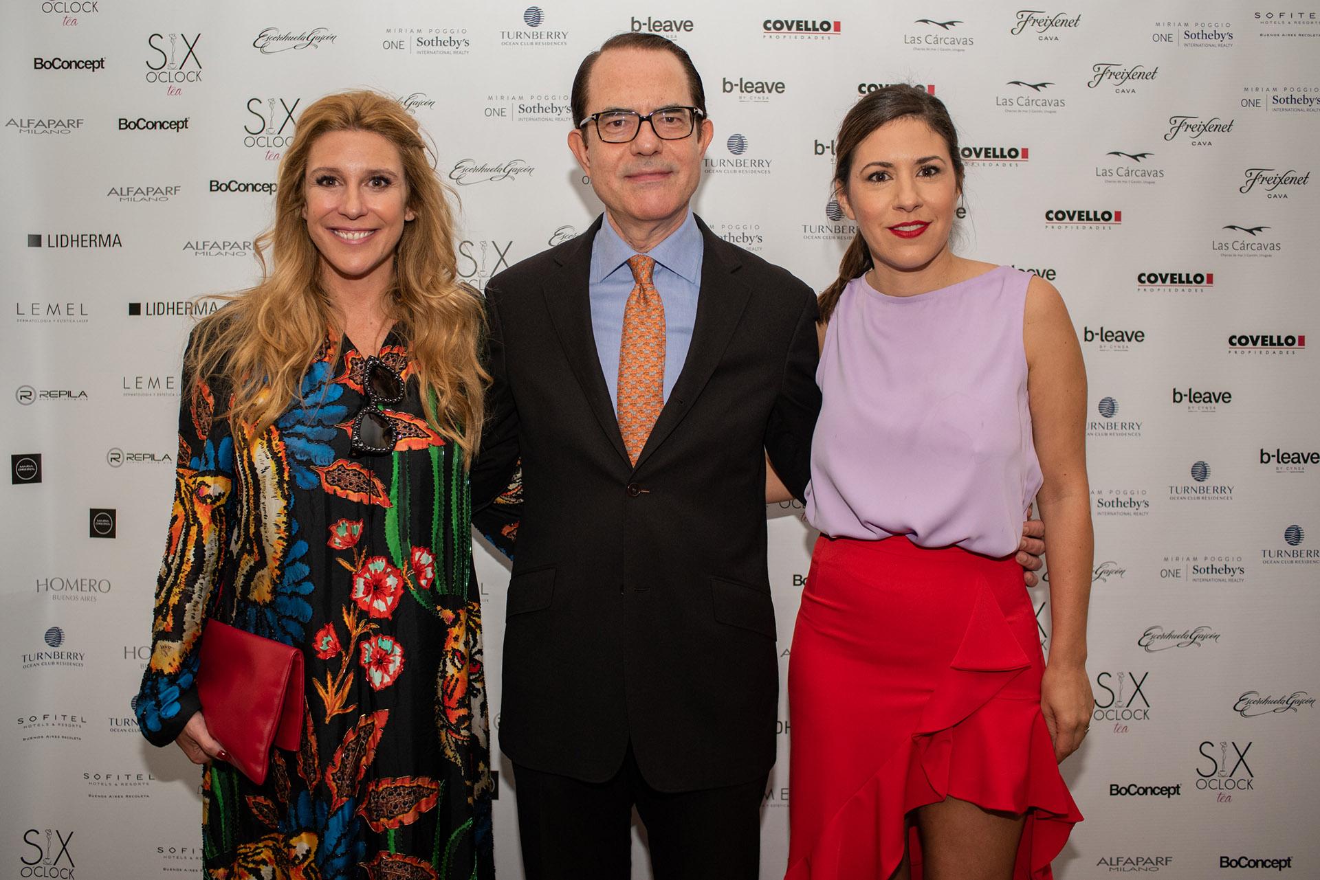 El embajador Dimitrios Zavelakis junto a Amalia Amoedo y Carminne Dodero