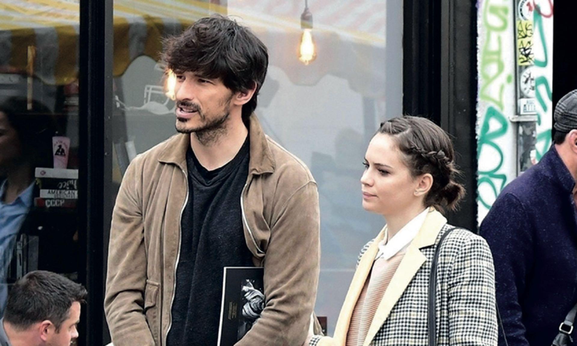 Con Andrés Valencoso, su actual pareja y a quien conoció en Madrid.
