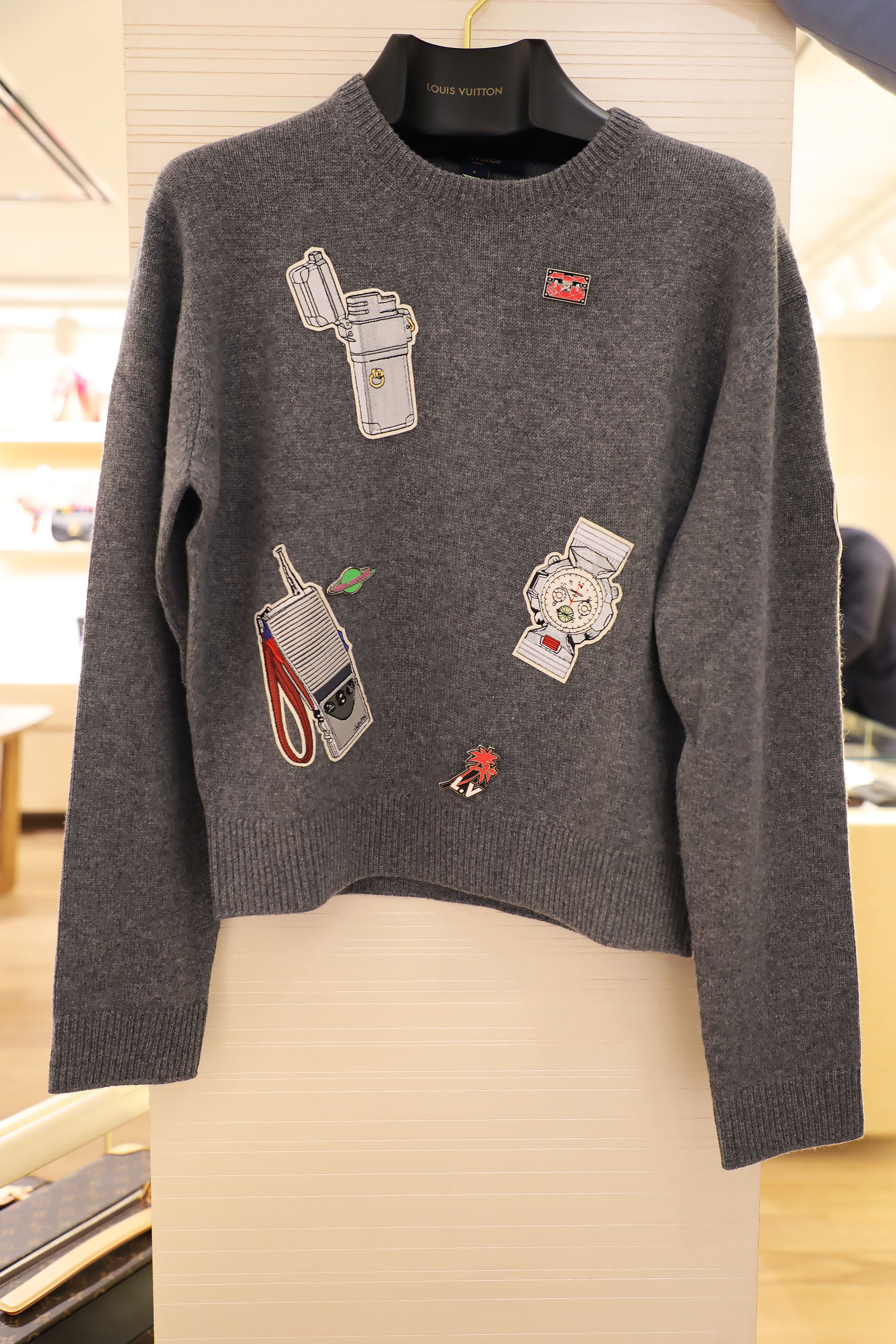 Embroided sweater $ 63.000