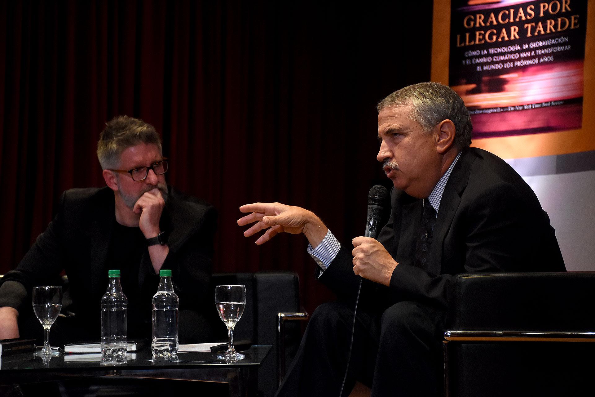 El periodista Luis Novaresio y el escritor estadounidense (Fotos Nicolás Stulberg)