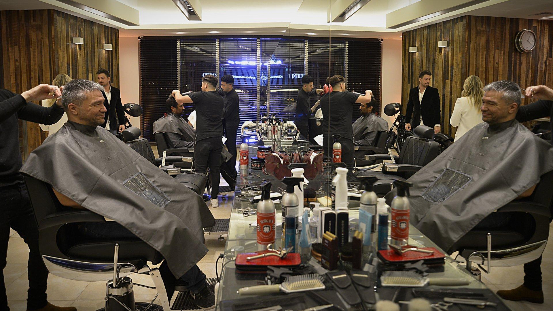 El espacio exclusivo para ellos funcionará como barbería y peluquería