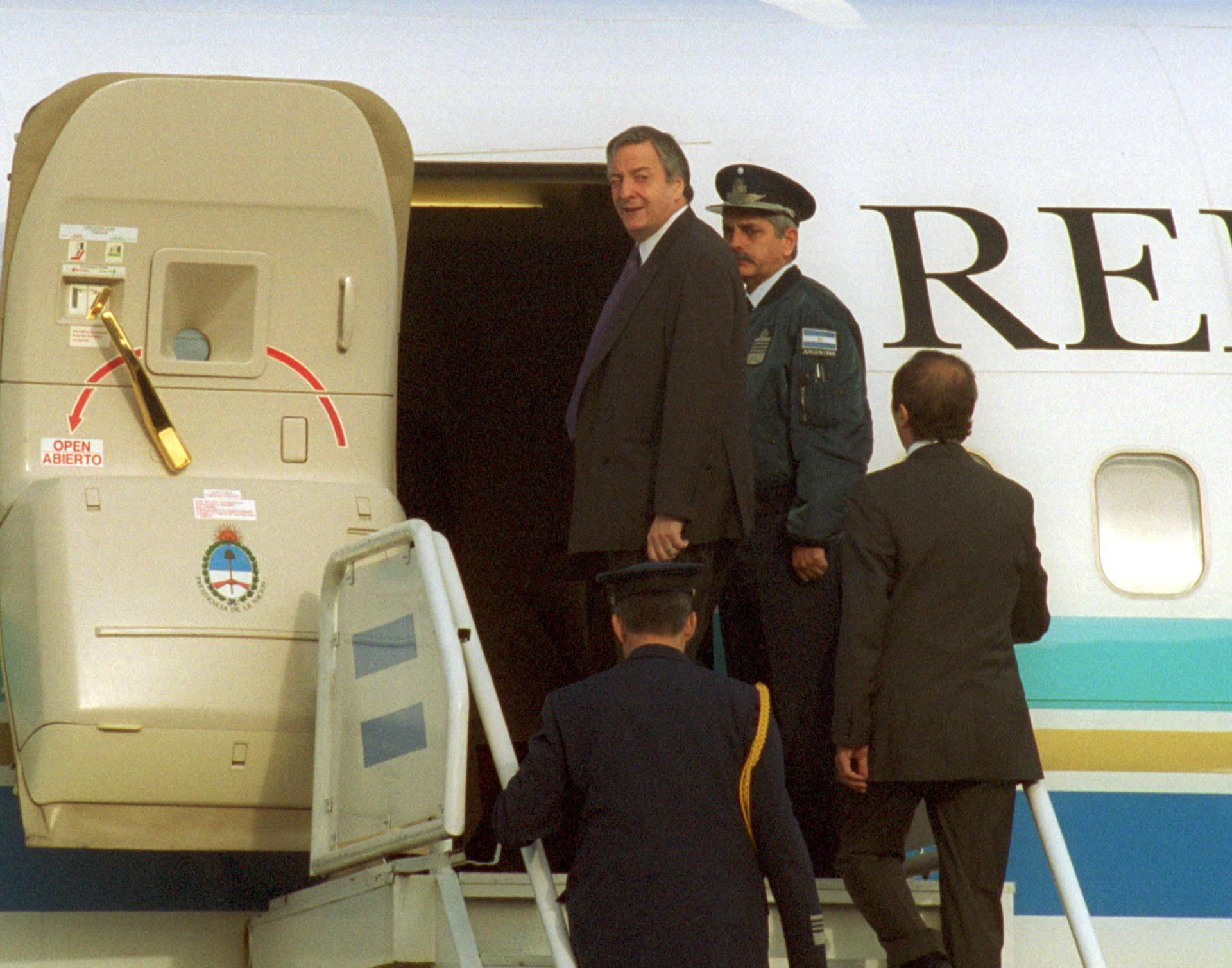 El presidenteNéstor Kirchner ingresa en el Tango 01 para iniciar su viaje a EE.UU , en donde se entrevistó con el primer mandatario de ese país.