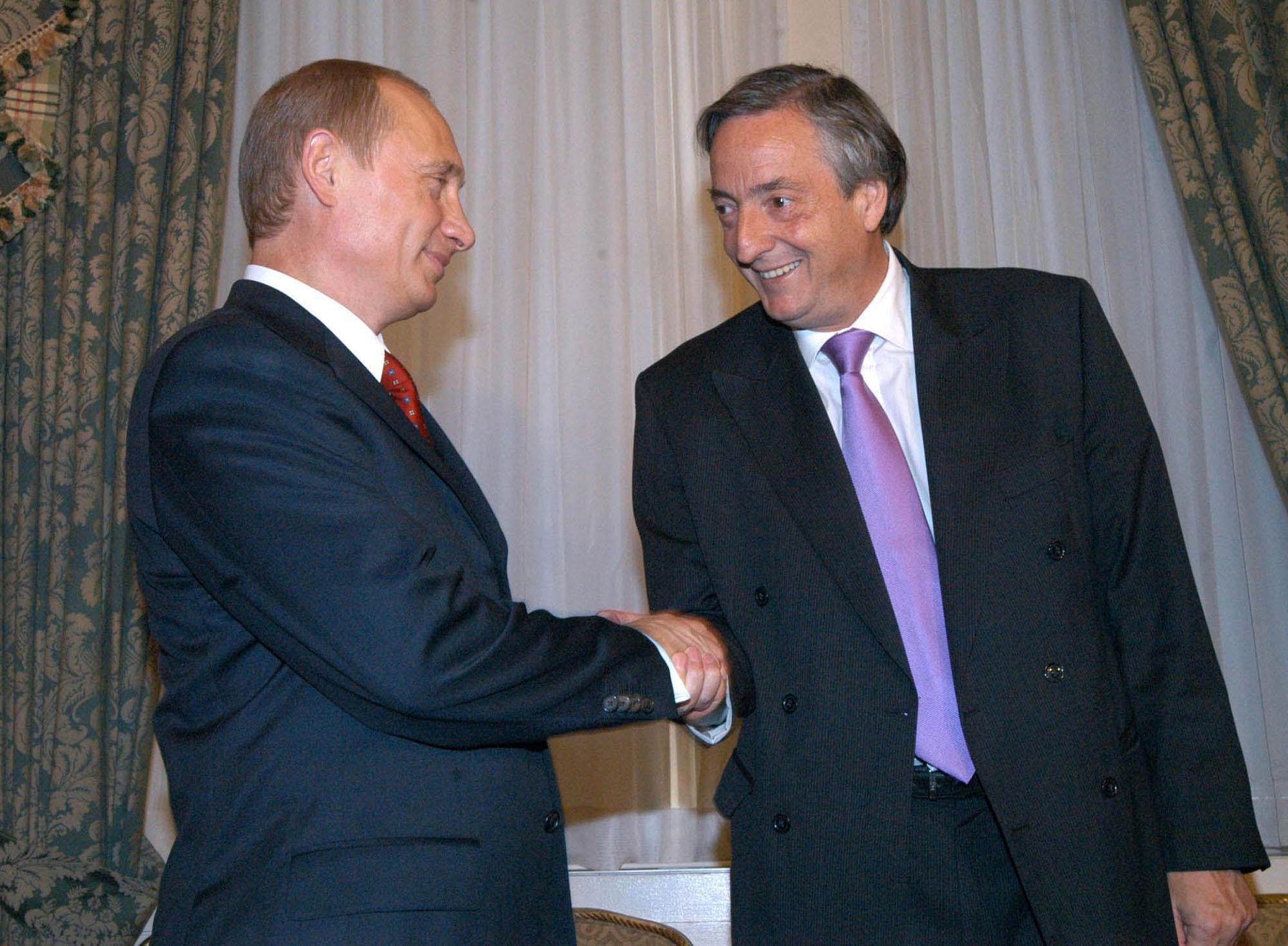 El presidente Néstor kirchner junto su par de Rusia, Vladimir Putin, en el hotel Waldorf Astoria de esa ciudad