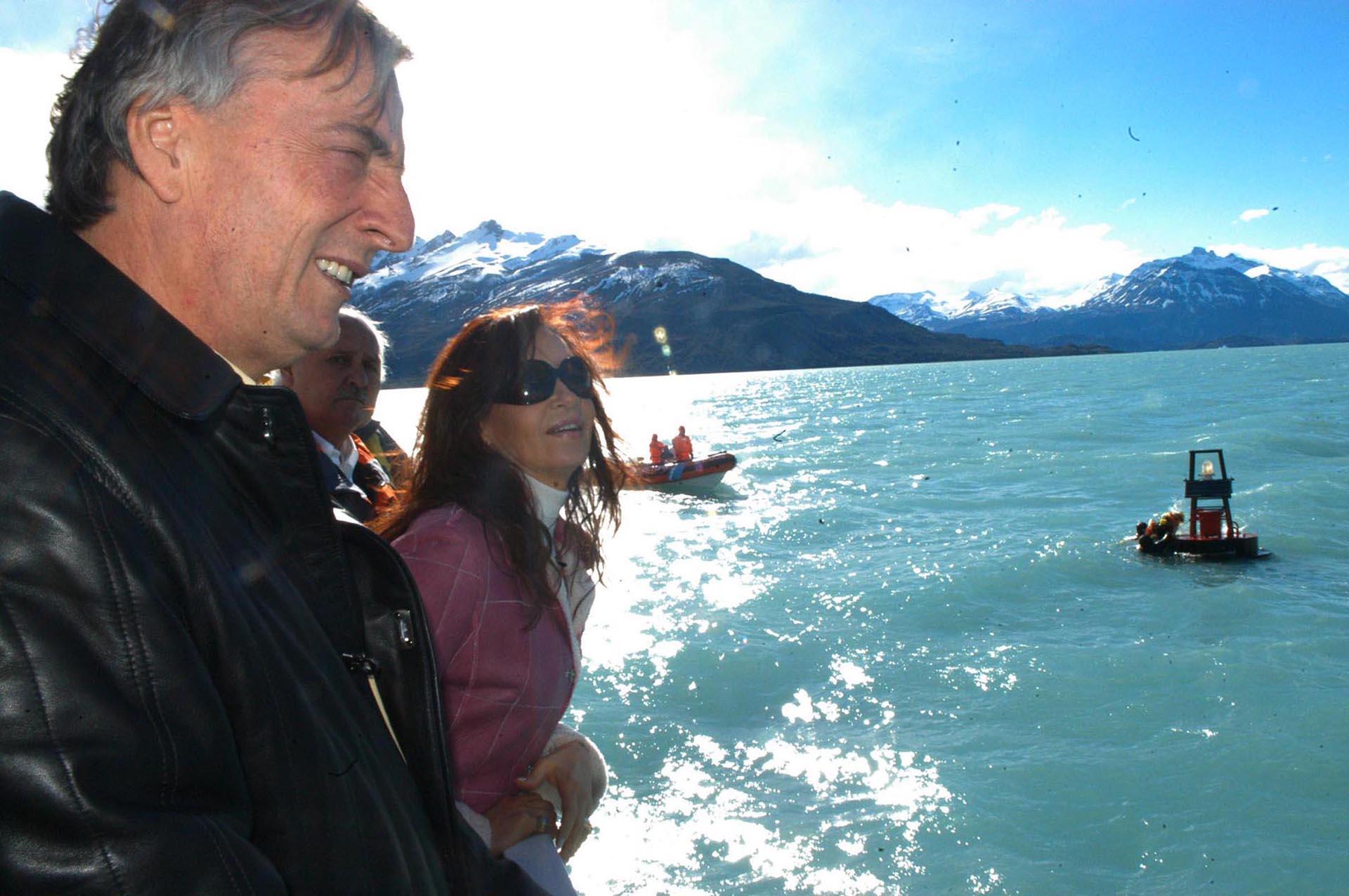 El presidente de la nación Nestor Kirchner junto a su esposa Cristina en la ciudad de El Calafate