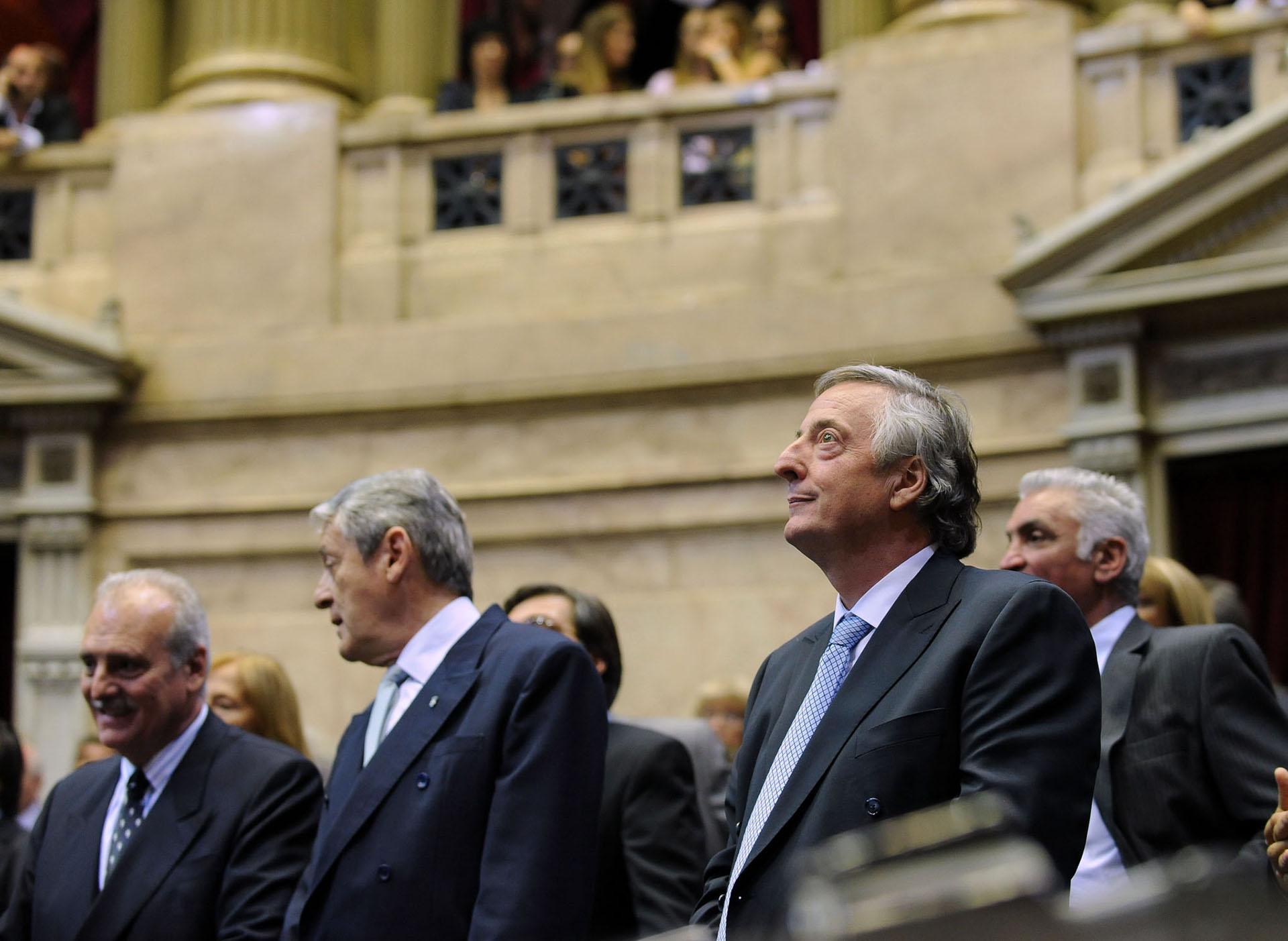 El ex presidente Néstor Kirchner durante la ceremonia de jura de los nuevos diputados en el Congreso.