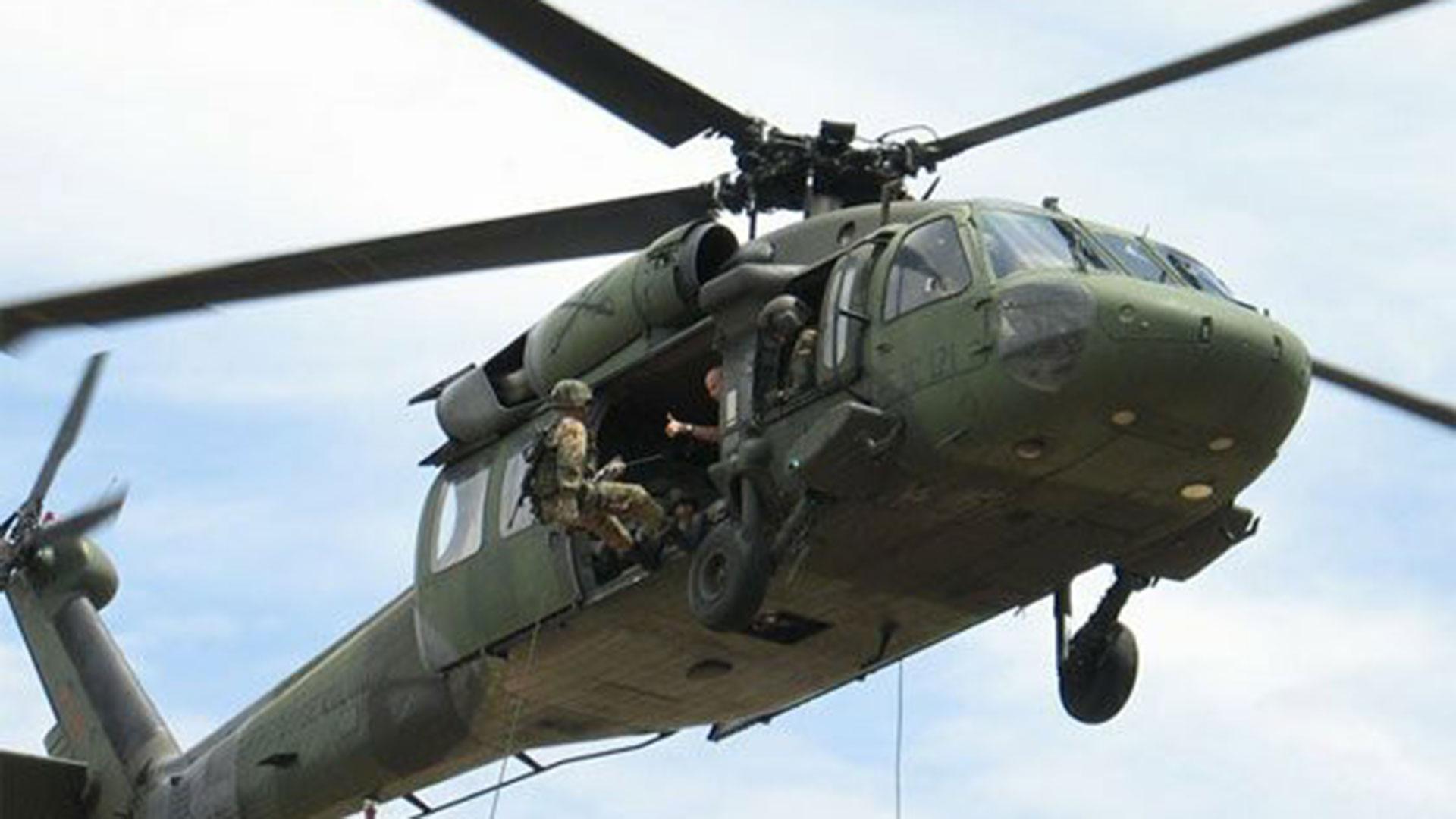 Unas 500 personas de Argelia retuvieron por horas a 60 militares e investigadores de la Fiscalía exigiendo la devolución de droga y armas incautadas, que ya estaban dentro de un helicóptero.