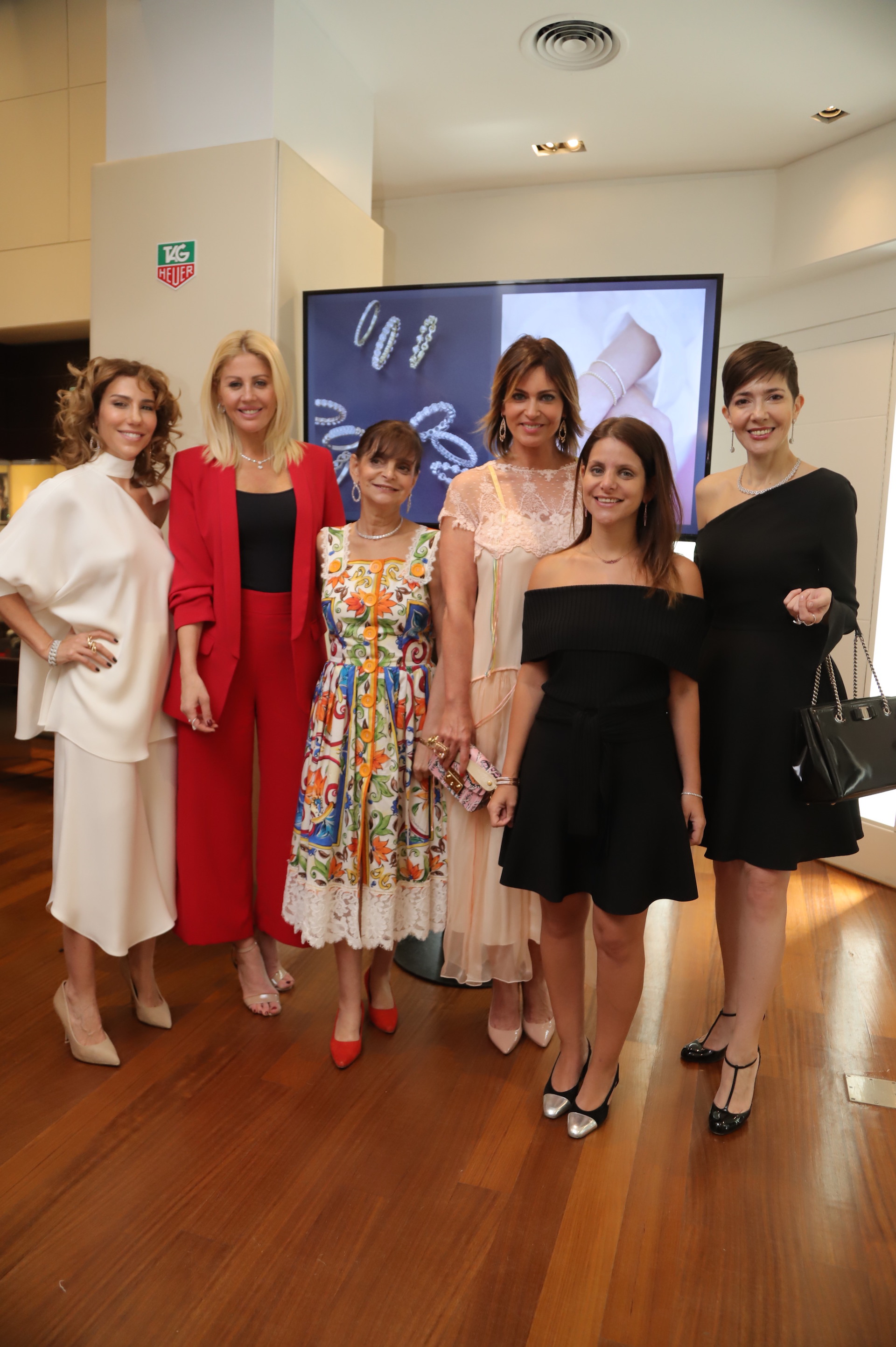 Julieta Novarro, Barbie Simons, Claudia Stad, Karina Mazzocco, Florencia Boskis Stad y Cristina Pérez