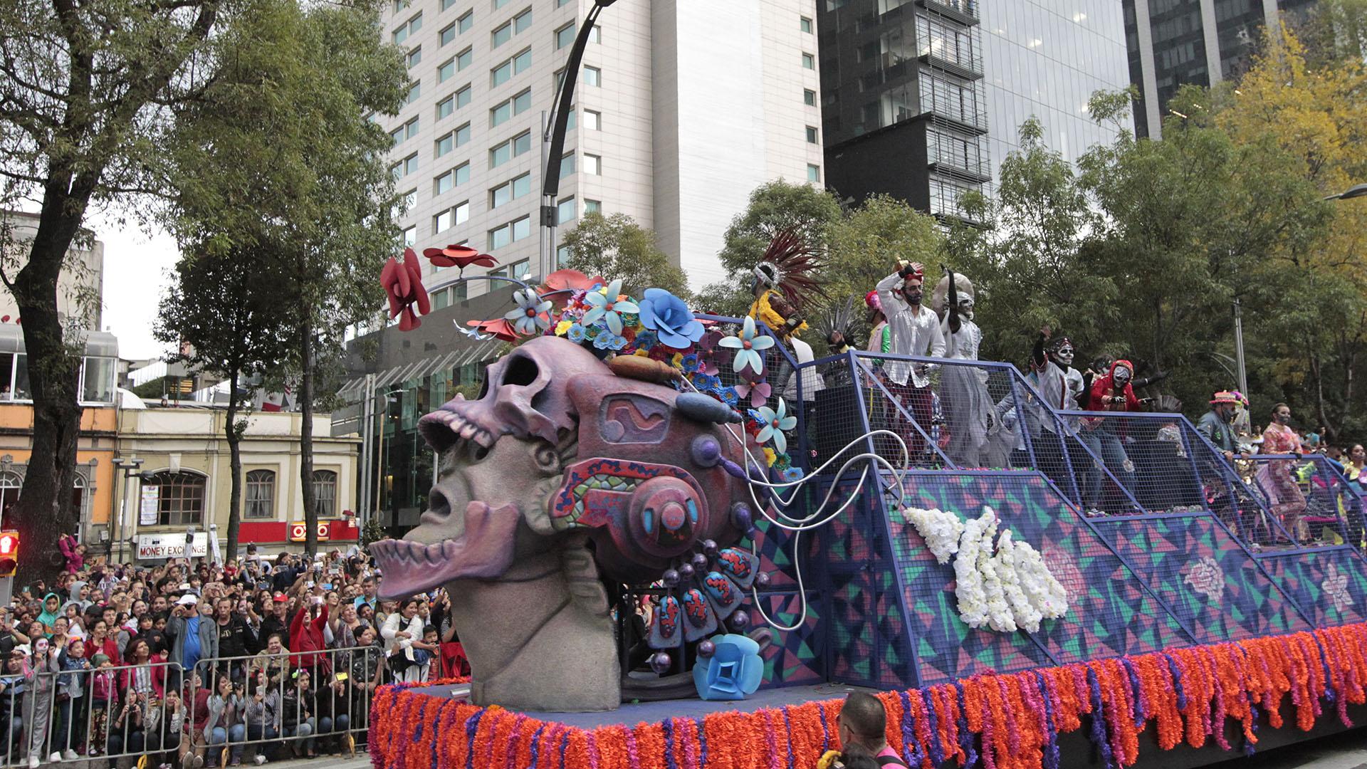 De acuerdo con el Gobierno capitalino, se espera que todas las actividades relacionadas con el Día de Muertos reciban en su conjunto alrededor de cuatro millones de visitantes