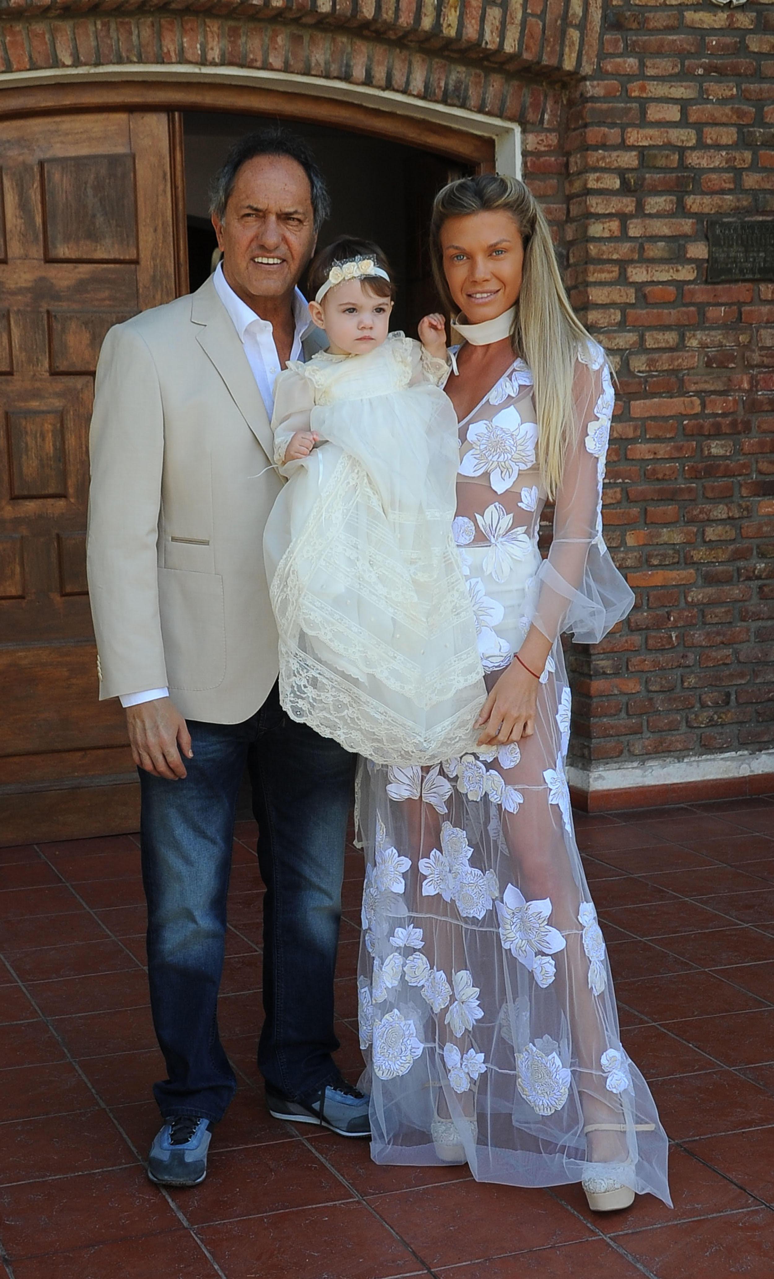 Daniel Scioli junto a su mujer Gisela Berger y su hija Francesca