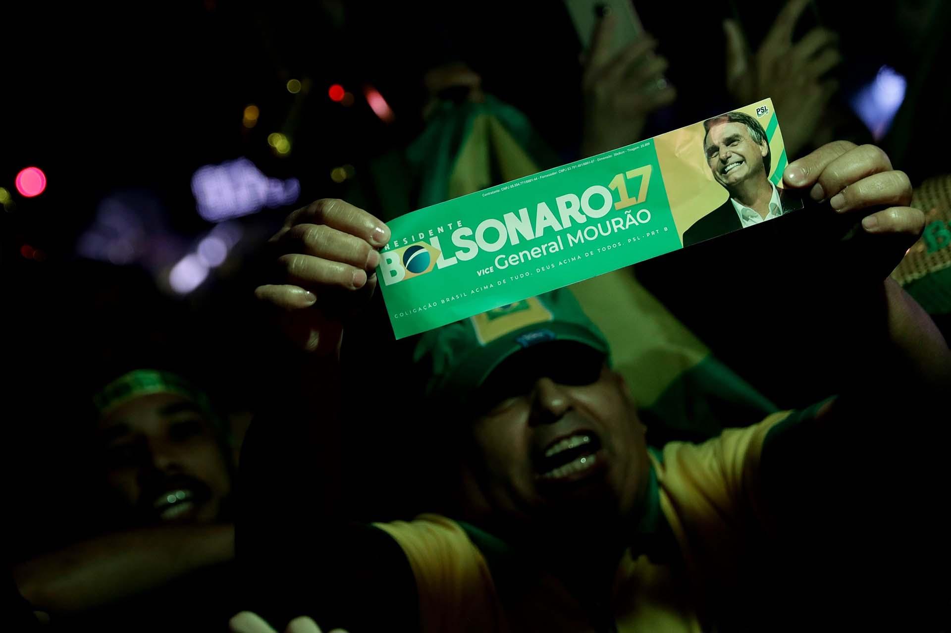 Bolsonaro se convirtió en presidente de Brasil con más del 55% de los votos en el ballotage(EFE/Fernando Bizerra)