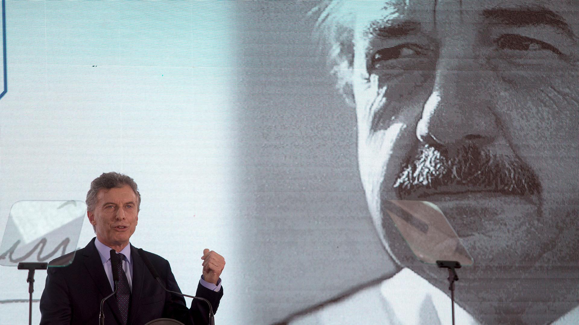 El presidente Mauricio Macri durante el homenaje a Raúl Alfonsín