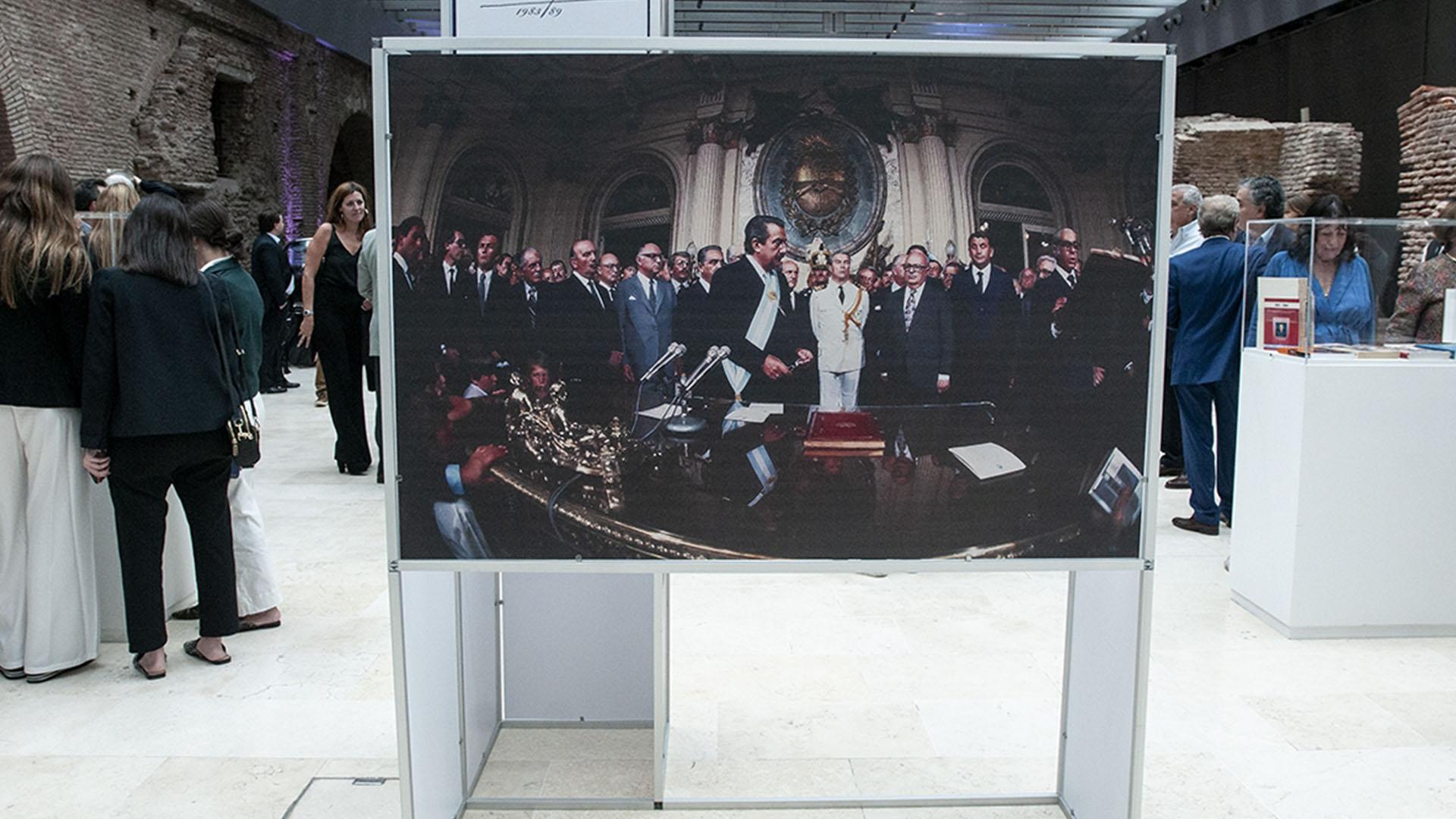"""La muestra """"Alfonsín por Alfonsín"""" se inauguróen la Casa Rosada"""