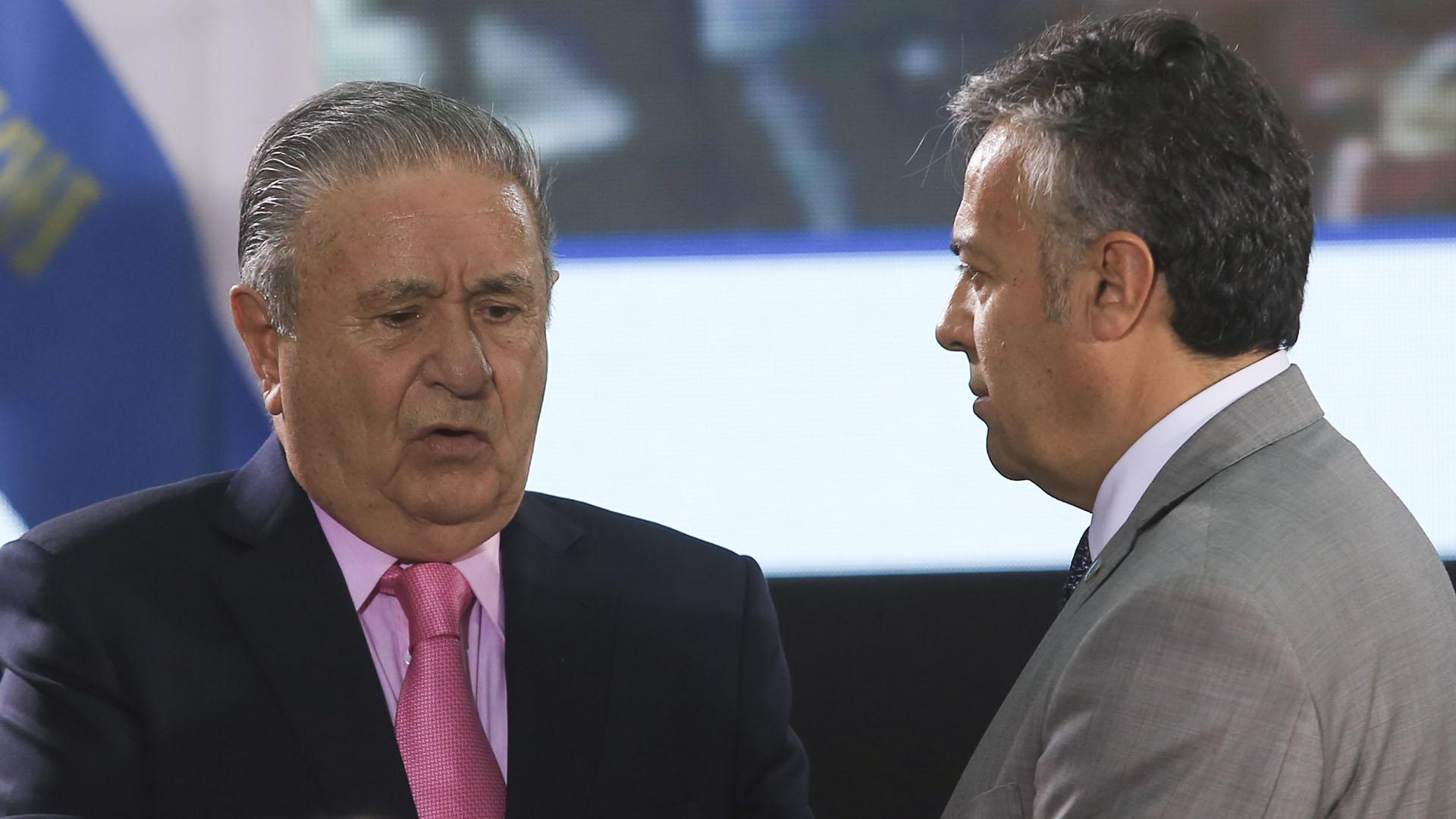 El ex presidente Eduardo Duhalde junto al gobernador de Mendoza, Alfredo Cornejo