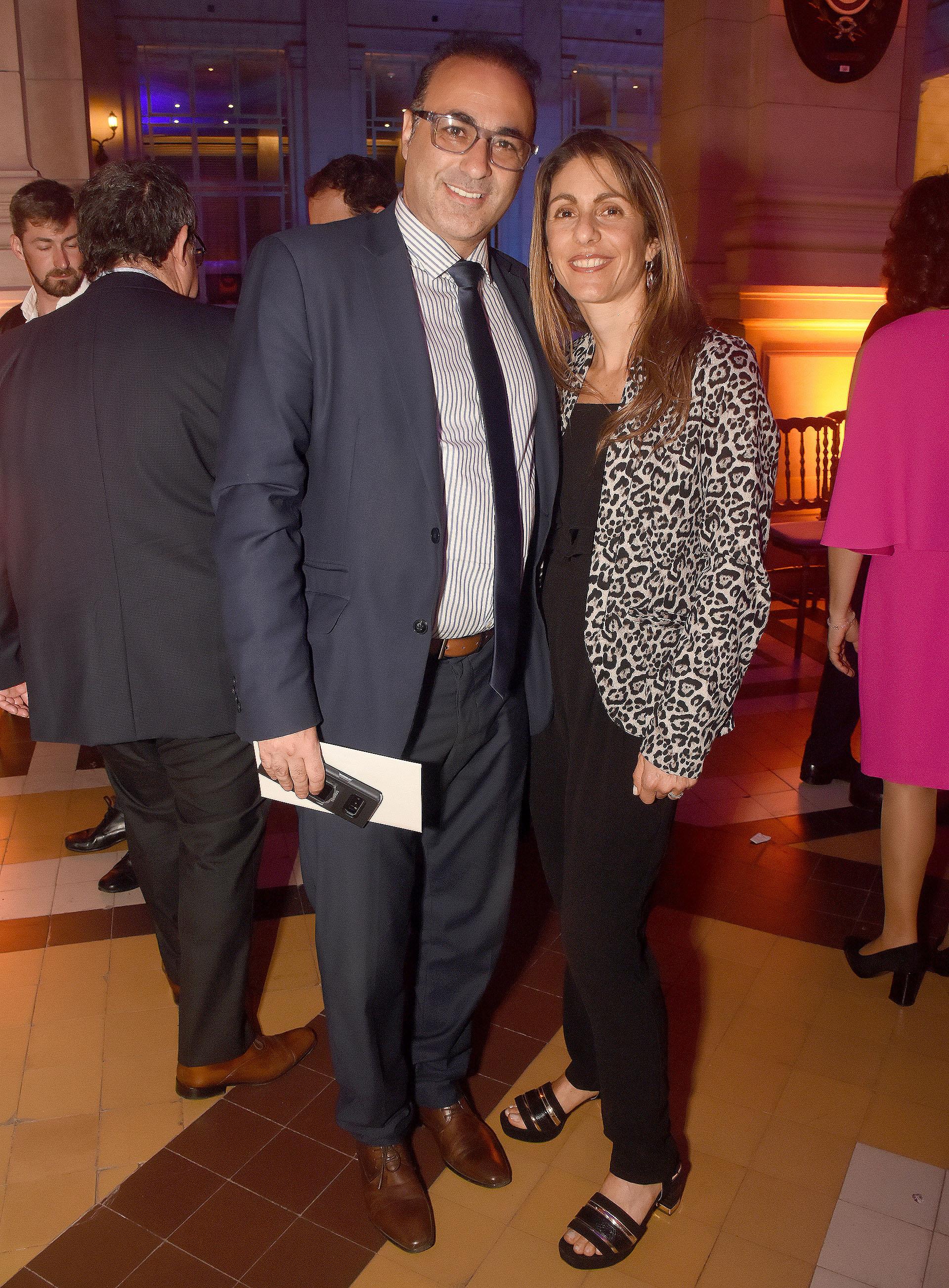 Gustavo Sakkal, vicepresidente del Museo del Holocausto, junto a su esposa Lorena Sakkal