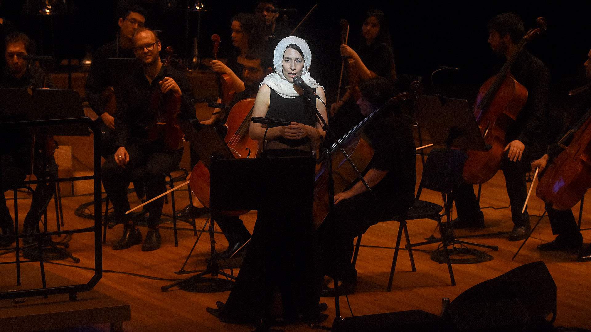 La consagrada artista, Elena Rogers, emocionó interpretando a Édith Piaf
