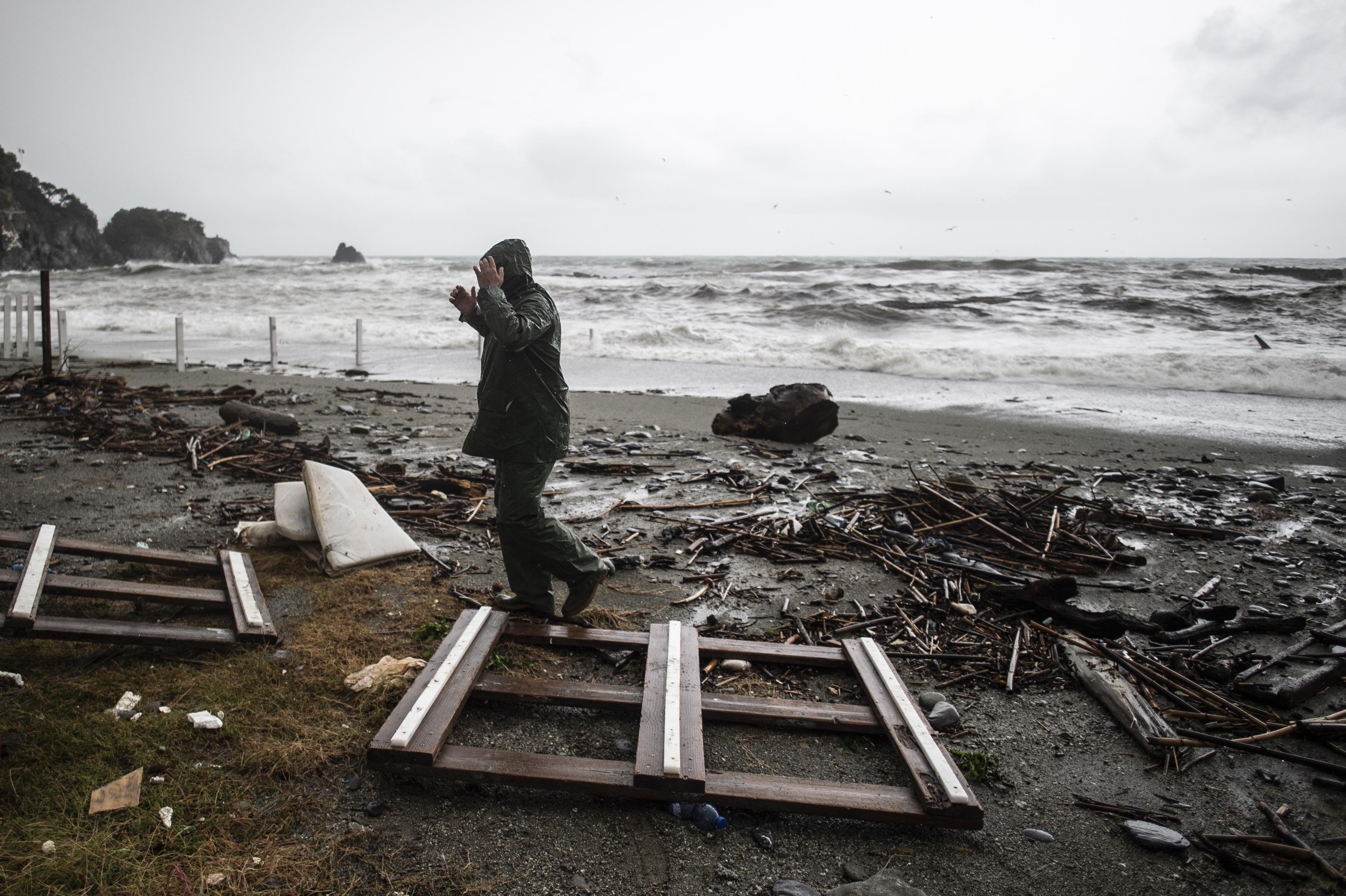 Destrozos en Monterosso en las Cinque Terre, en Liguria (Marco BERTORELLO / AFP)
