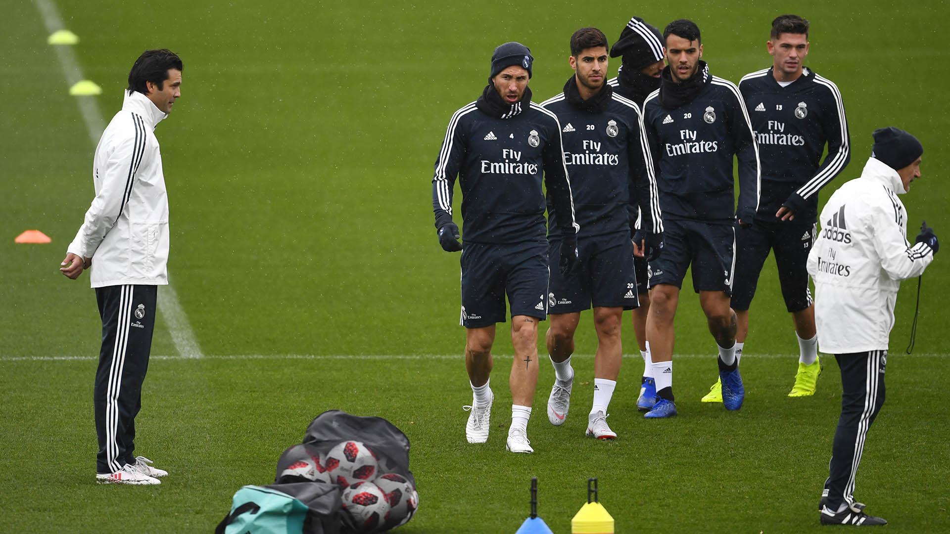 Santiago Solari al frente del Real Madrid (Photo by GABRIEL BOUYS / AFP)