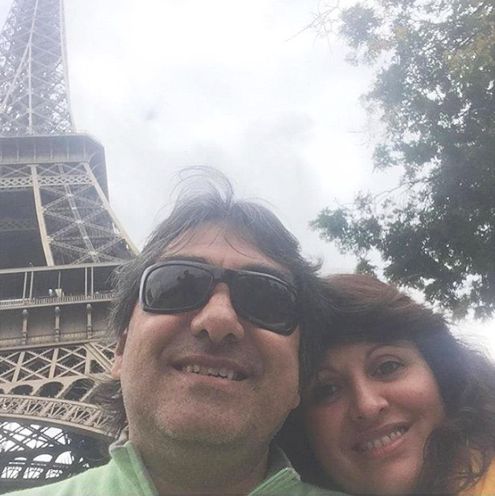 Kike en una selfie que subió hace dos días junto a su mujer, por su cumpleaños