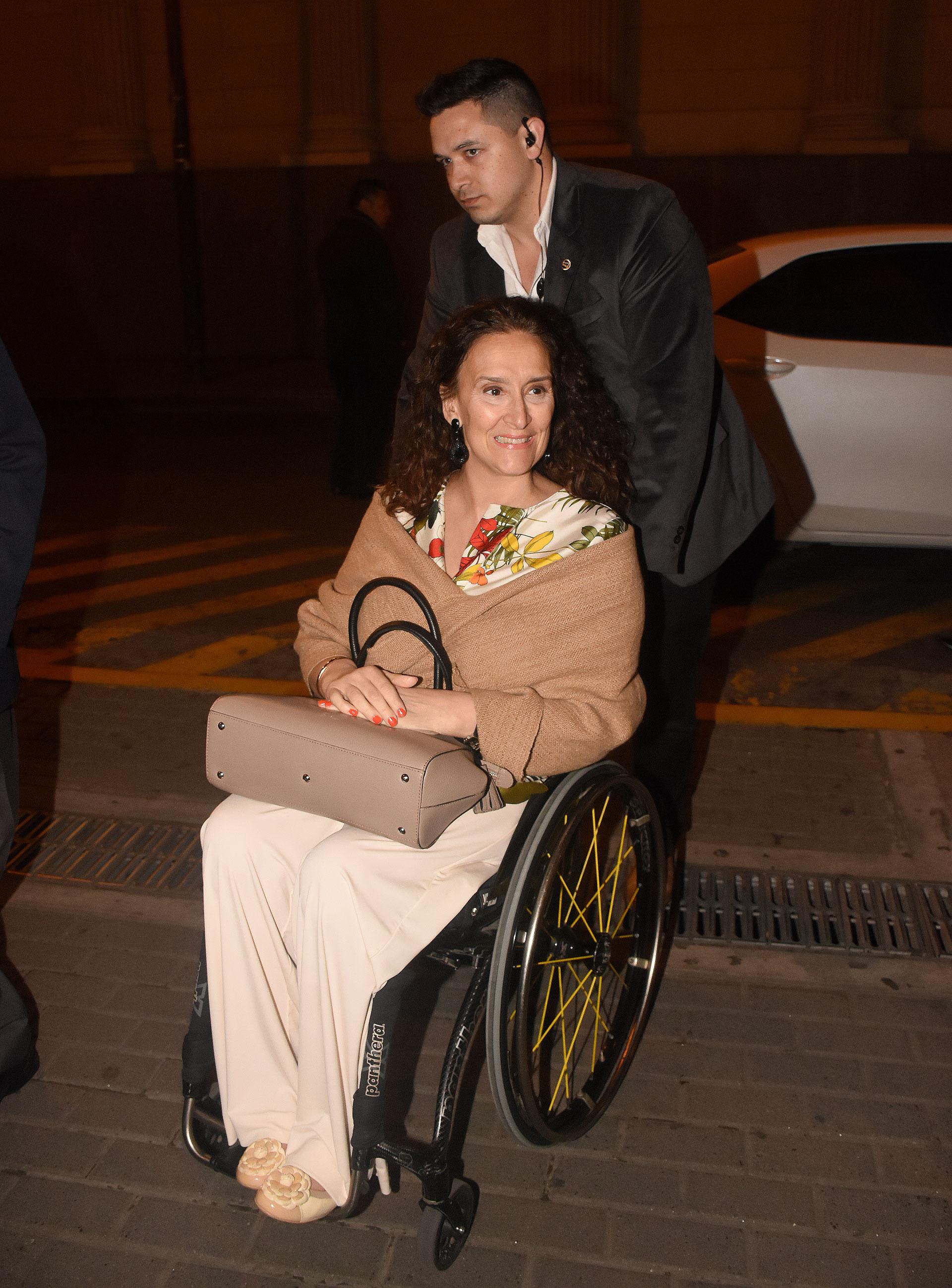 La llegada de la Vicepresidente Gabriela Michetti a la gala anual a beneficio de ALPI, que se llevó a cabo en el Teatro Colón