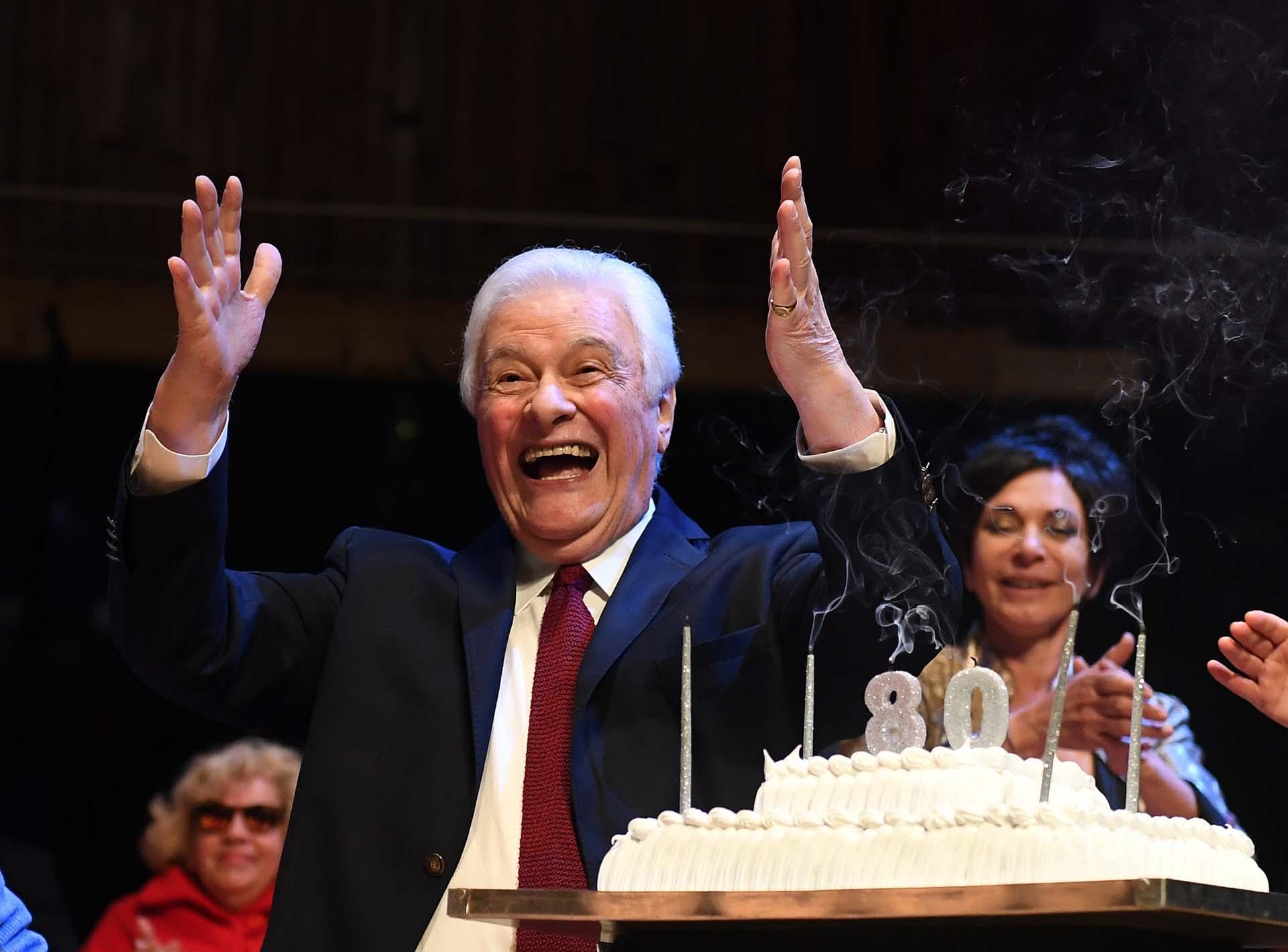 Héctor Larrea, ícono de la radiofonía argentina, festejó sus 80 años con una gran celebración en la Sala Sinfónica del CCK (Maximiliano Luna / Teleshow)