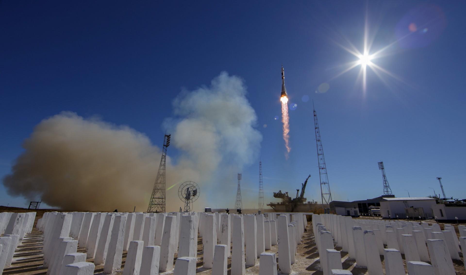 El despegue de un cohete ruso Soyuz MS-10 (Reuters)