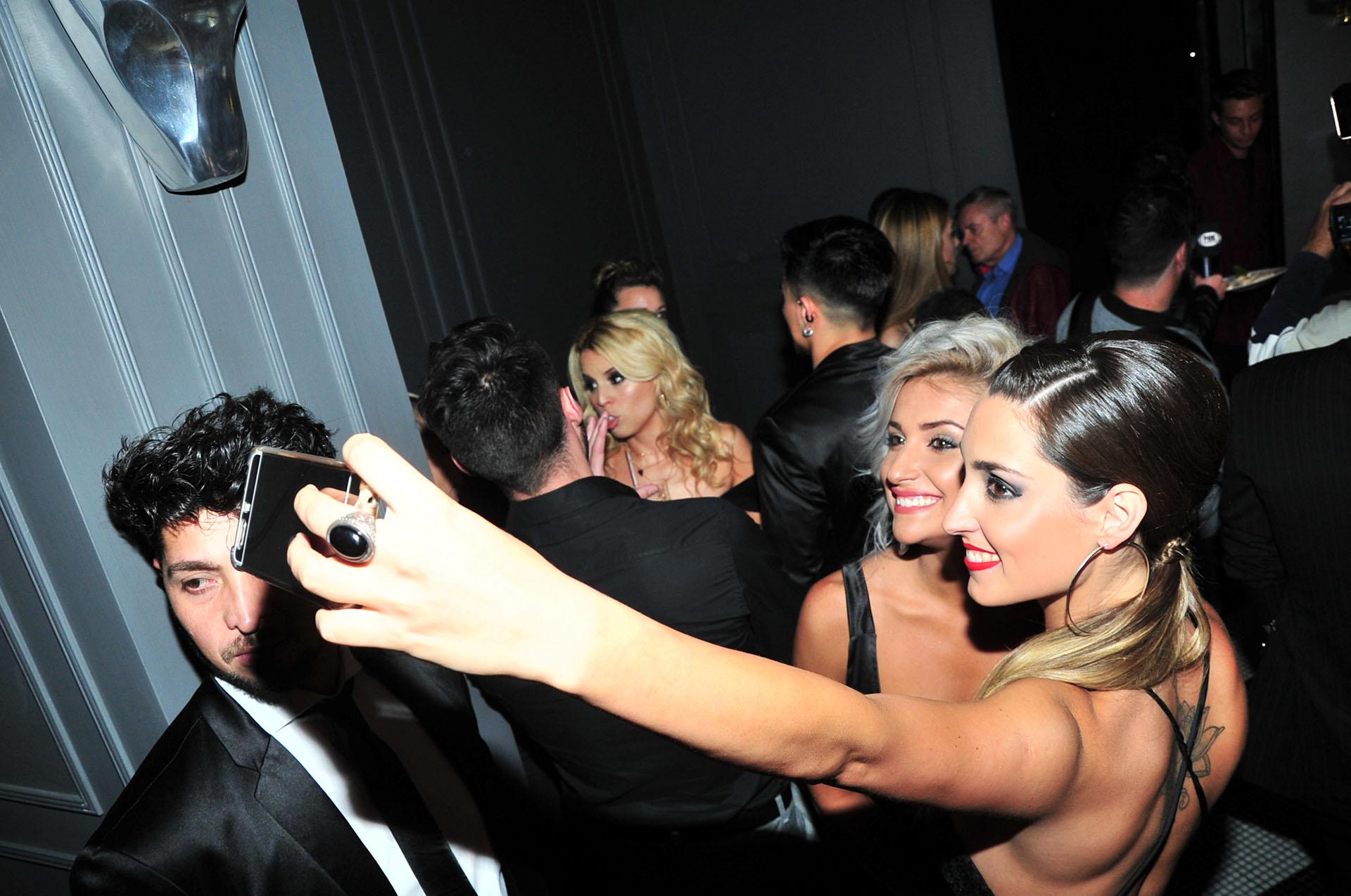Bianca Iovenitti y Sofía Grilanc se sacan una selfie
