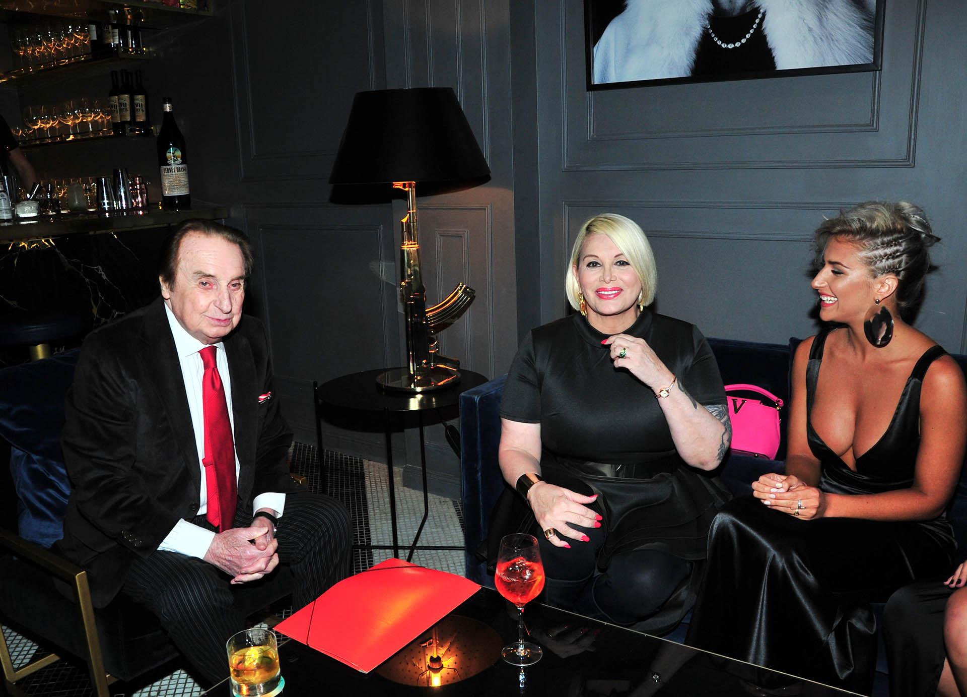 Bianca Iovenitti con sus ¿suegros? Santiago Bal y Carmen Barbieri