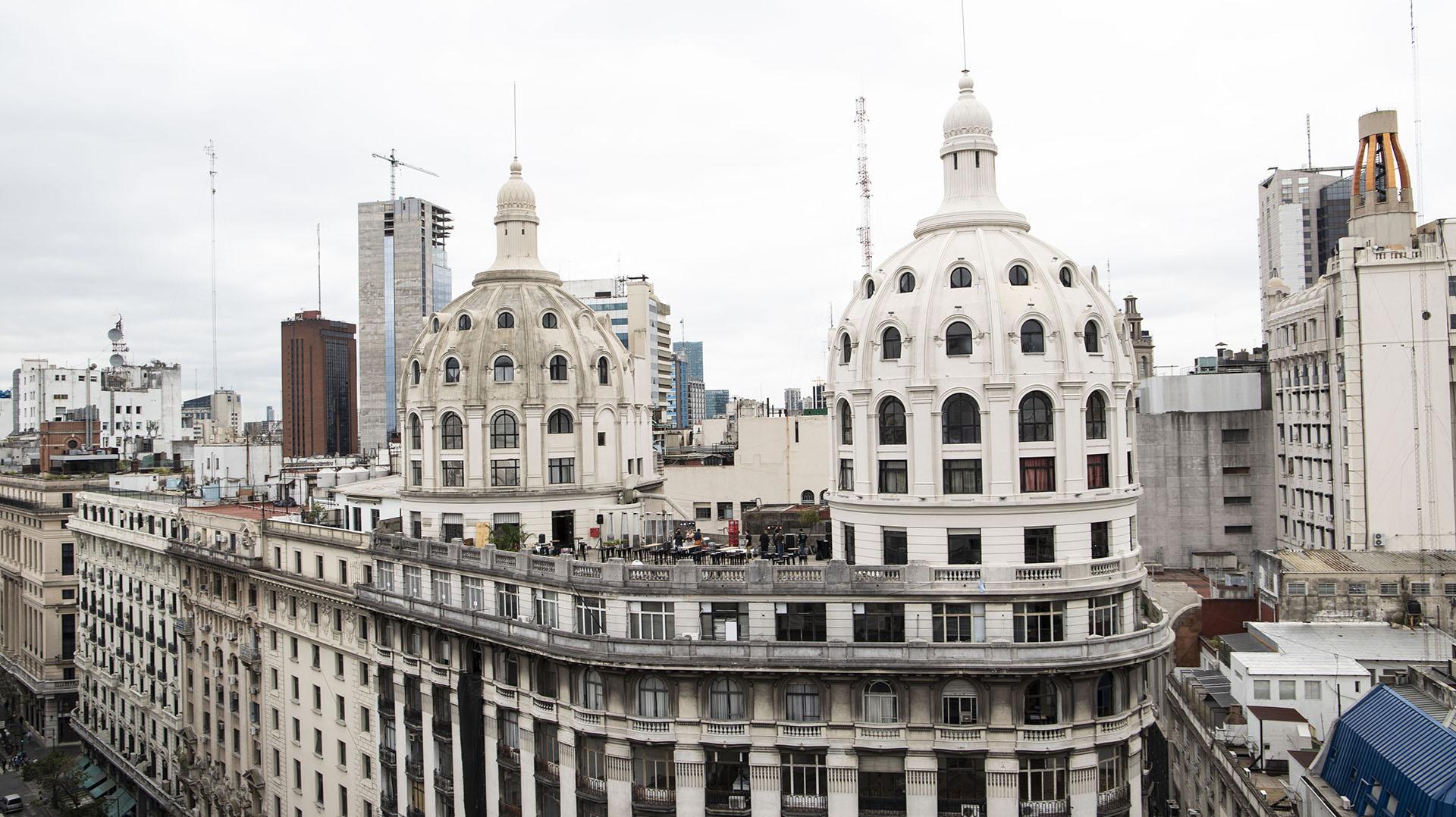 El edificio Bencich conjuga elementos del clasicismo y el academicismo francés. Su puesta en valor finalizó en junio de 2015 con la renovación de una de sus dos cúpulas (Lihue Althabe)
