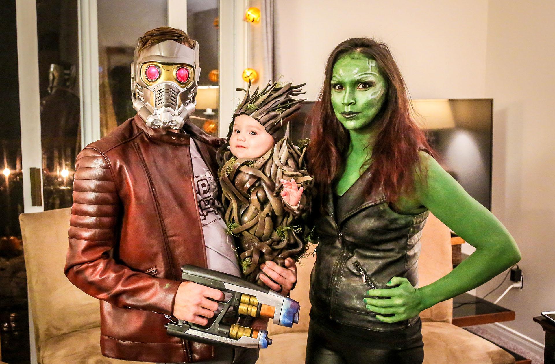 Una familia con gran producción posa como los héroes de Guardianes de la Galaxia