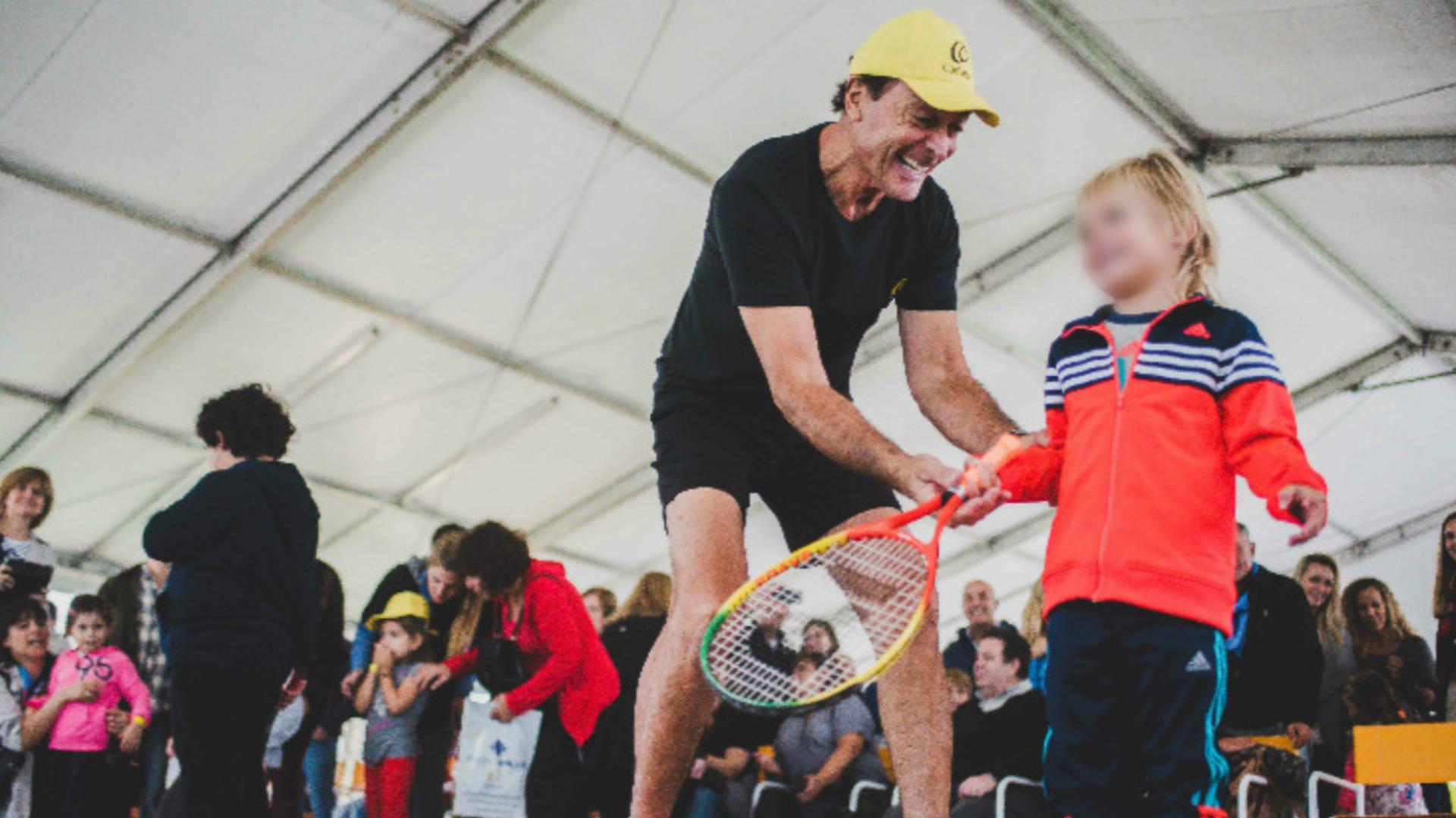 Hoy se dedica a brindar jornadas gratuitas, realizar clínicas de deportes para explayarse sobre lo valioso que es vivir en una sociedad inclusiva