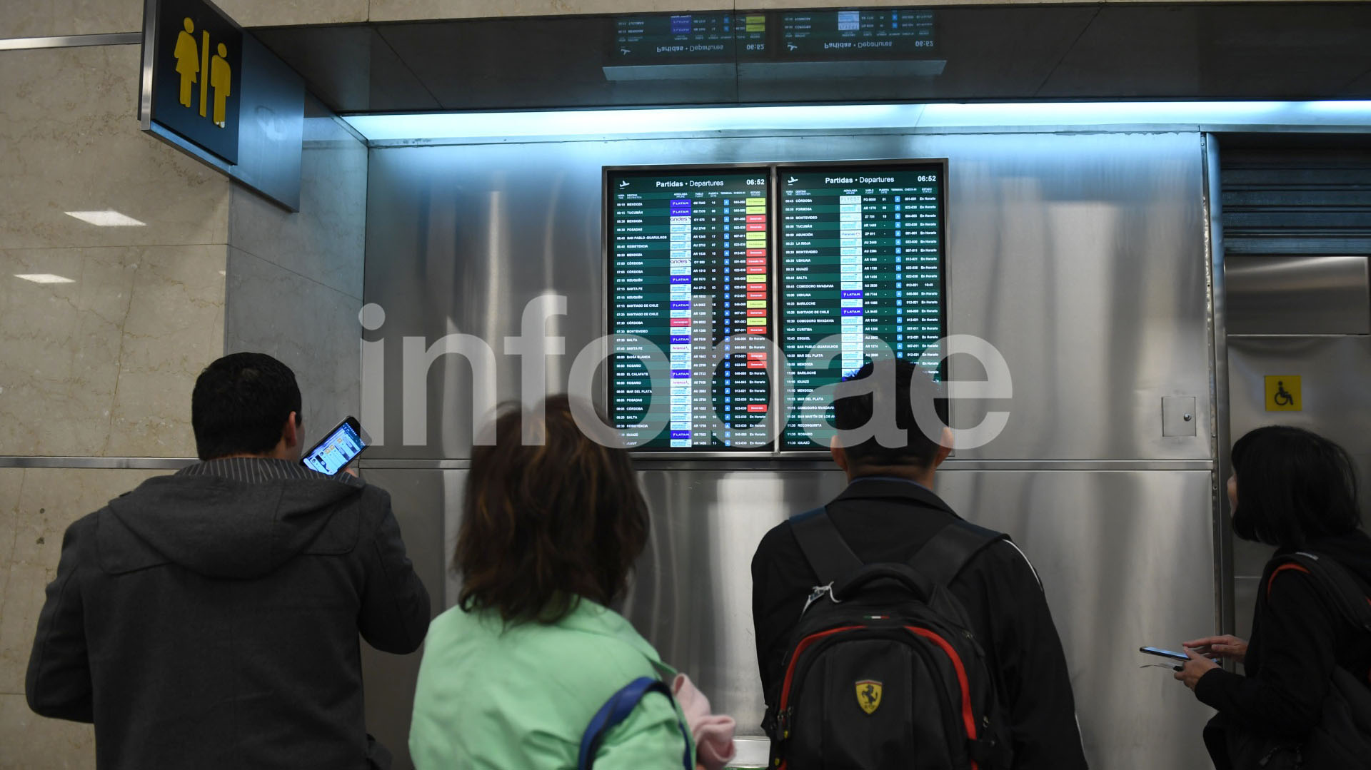 Las compañías comenzaron a reprogramar los vuelos