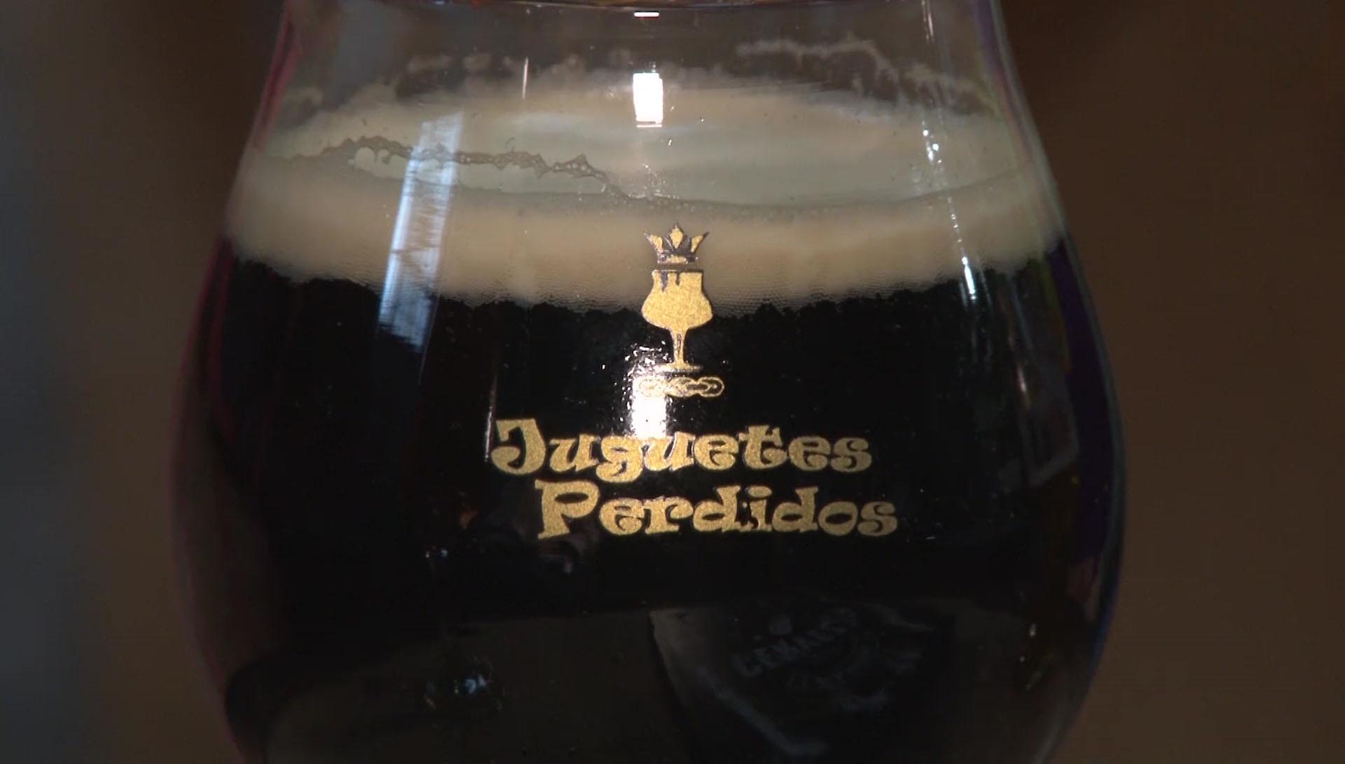 Juguetes Perdidos tiene más de 60 estilos de cerveza y cada semana ofrece a su público con una nueva