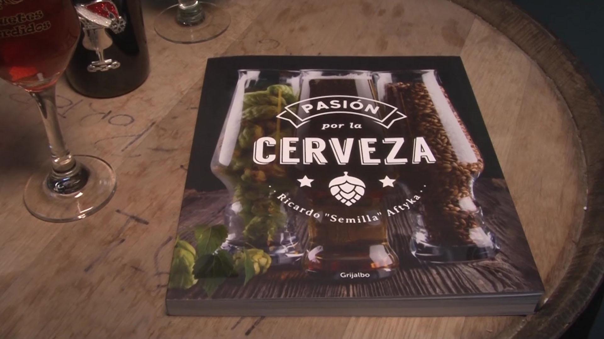 """""""Pasión por la cerveza"""", el primer libro de """"Semilla"""" Aftyka, dedicado a las cervezas artesanales"""